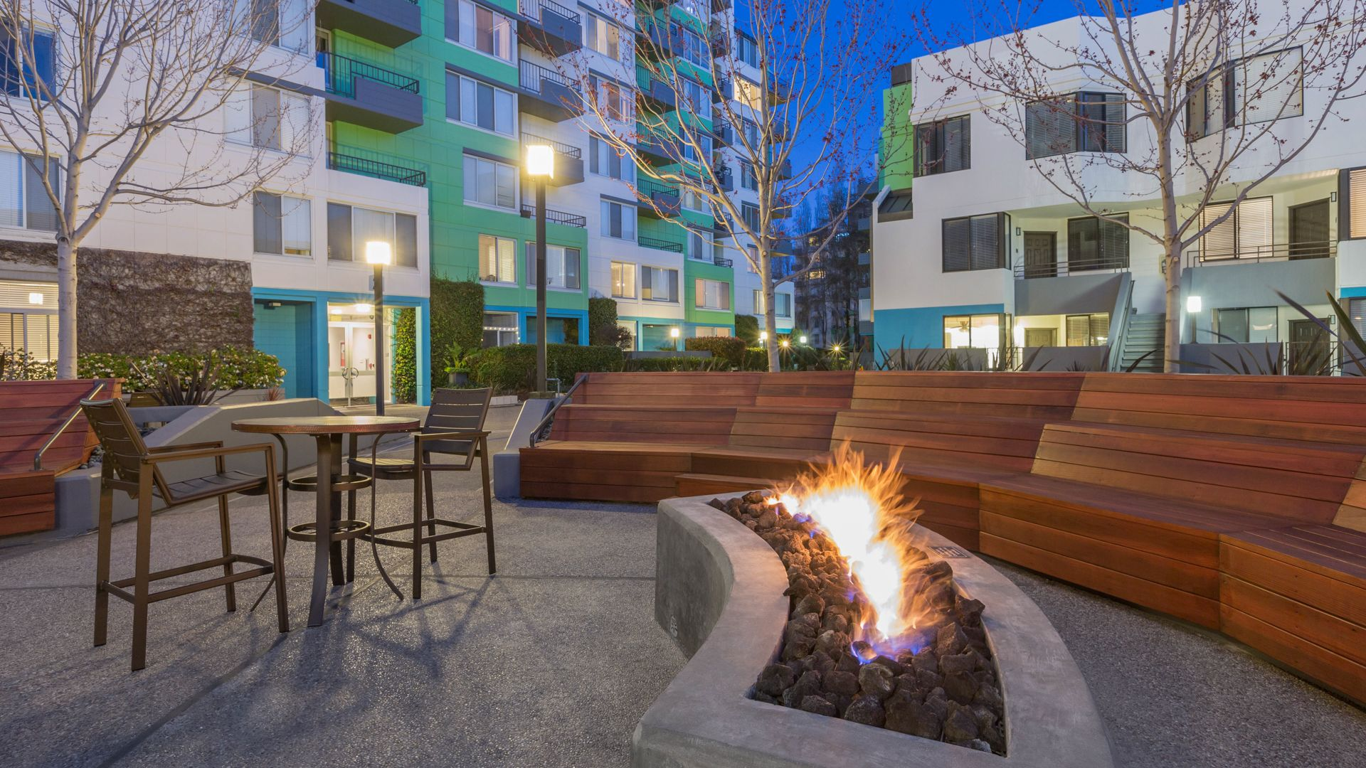 SoMa Square Apartments - Courtyard