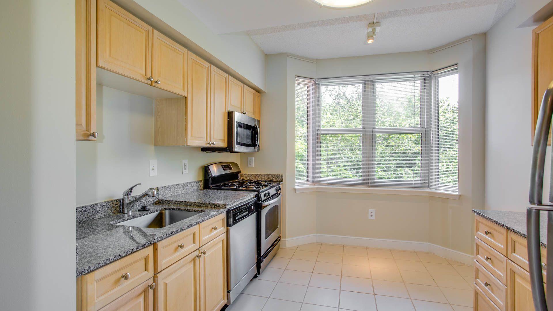 Park Connecticut Apartments - Kitchen