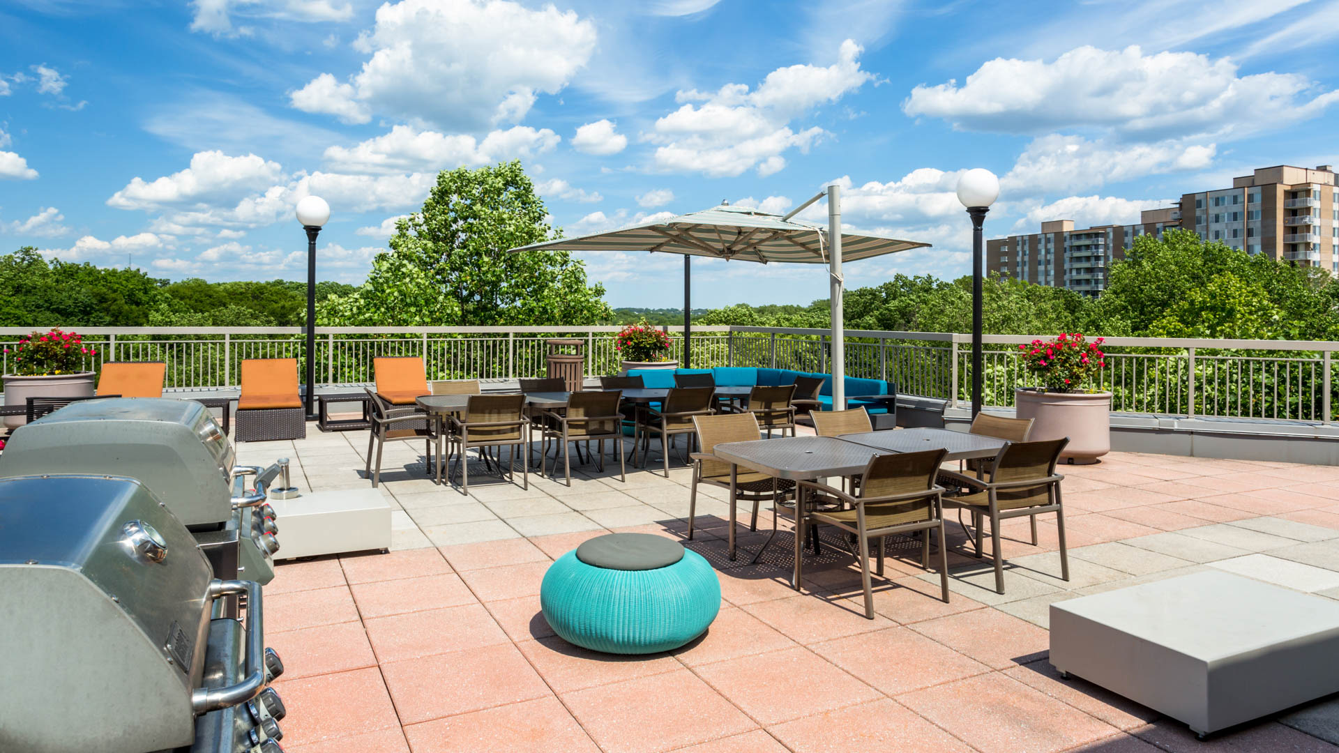 Park Connecticut Apartments - Rooftop Patio