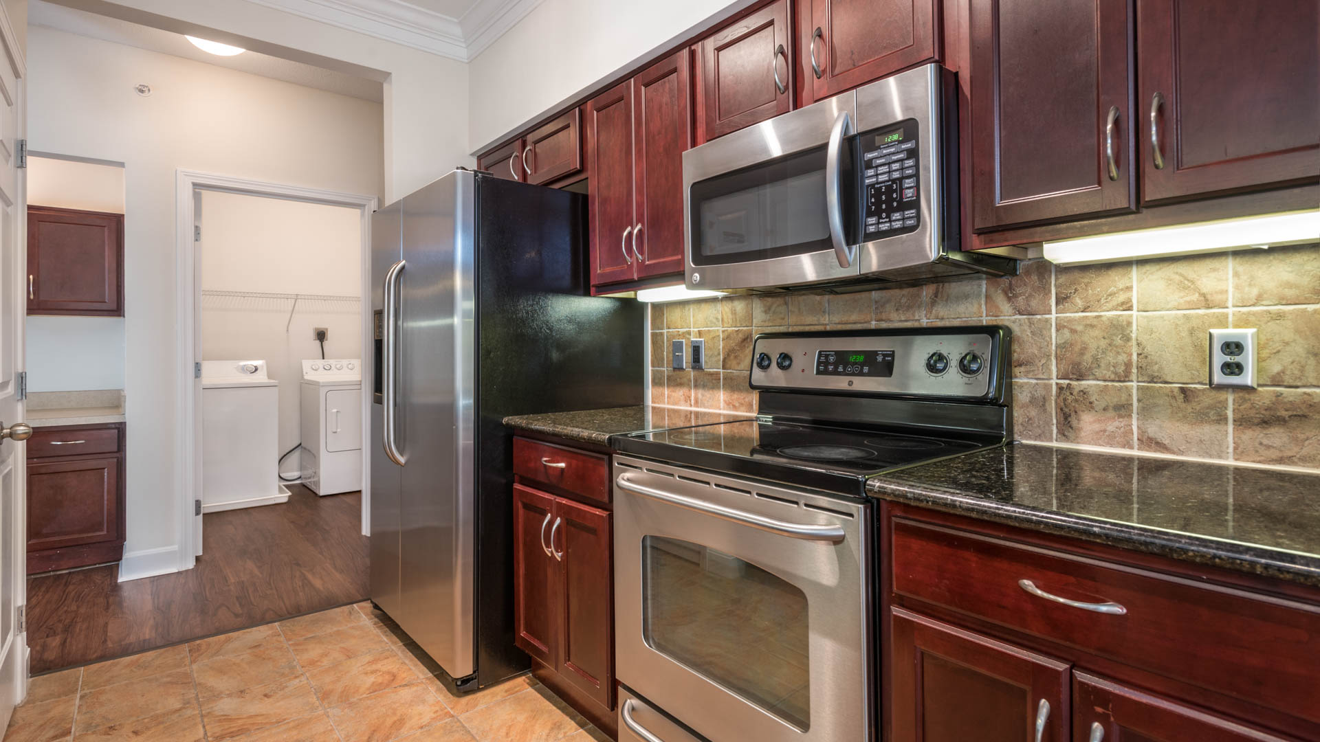 Quarry Hills Apartments - Kitchen