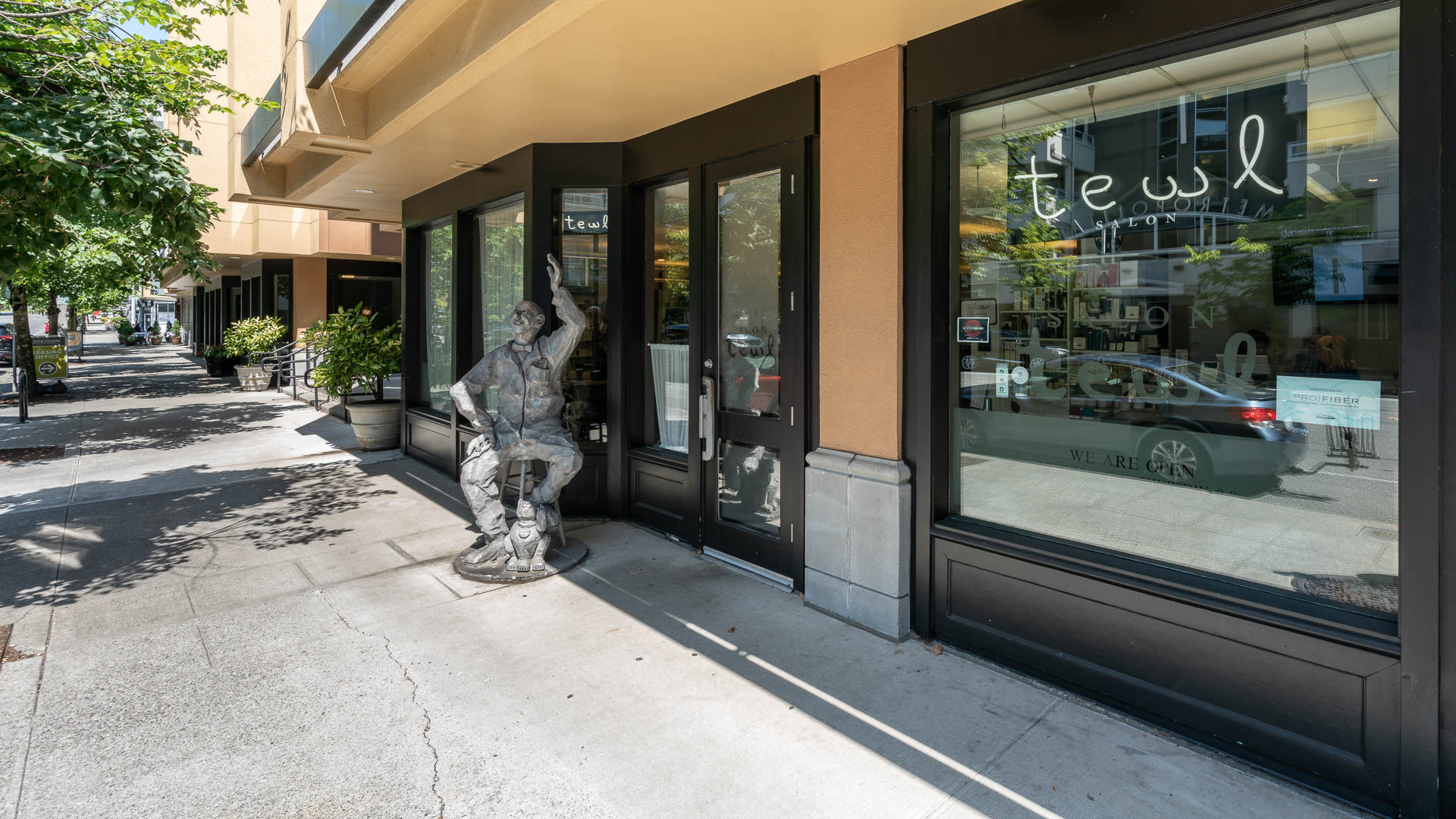 City Square Bellevue Apartments - On-site Salon Tewl
