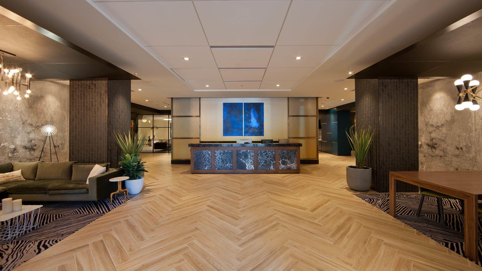 2201 Wilson Apartments - Lobby