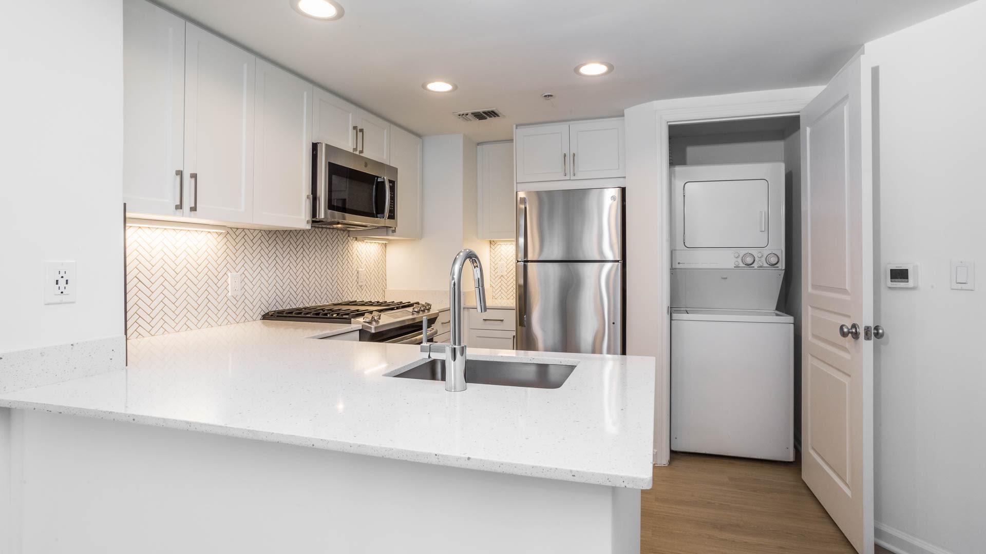 2201 Wilson Apartments - Kitchen