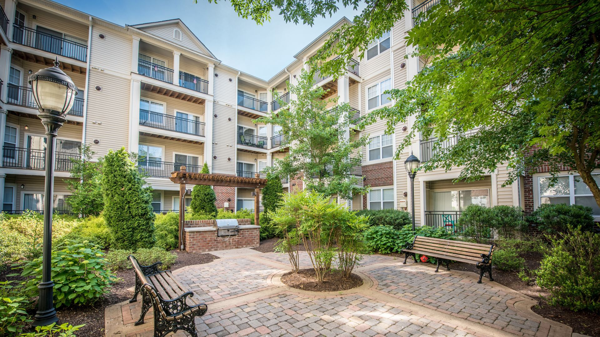 Fairchase Apartments - Courtyard