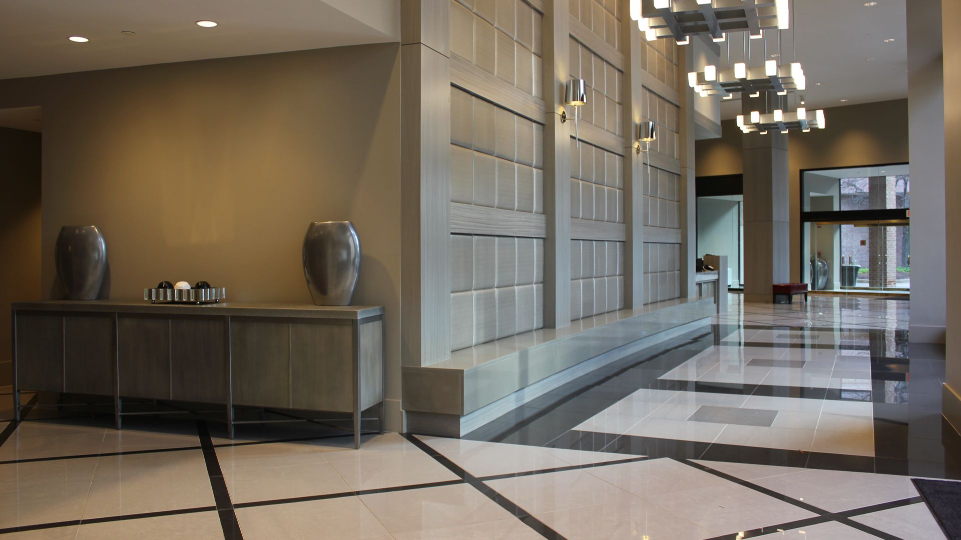 Crystal Place Apartments - Lobby