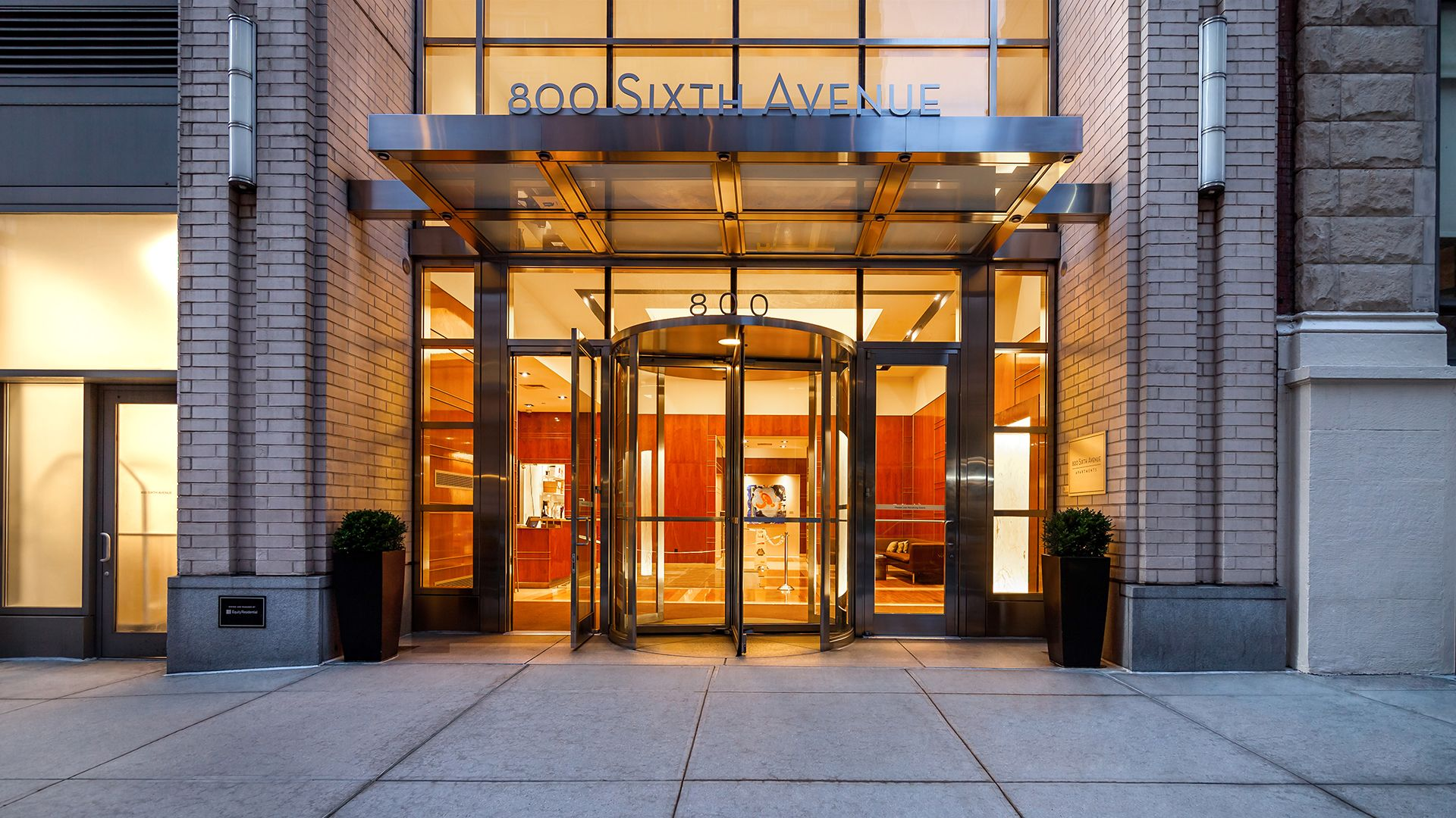 800 Sixth Apartments - Entrance