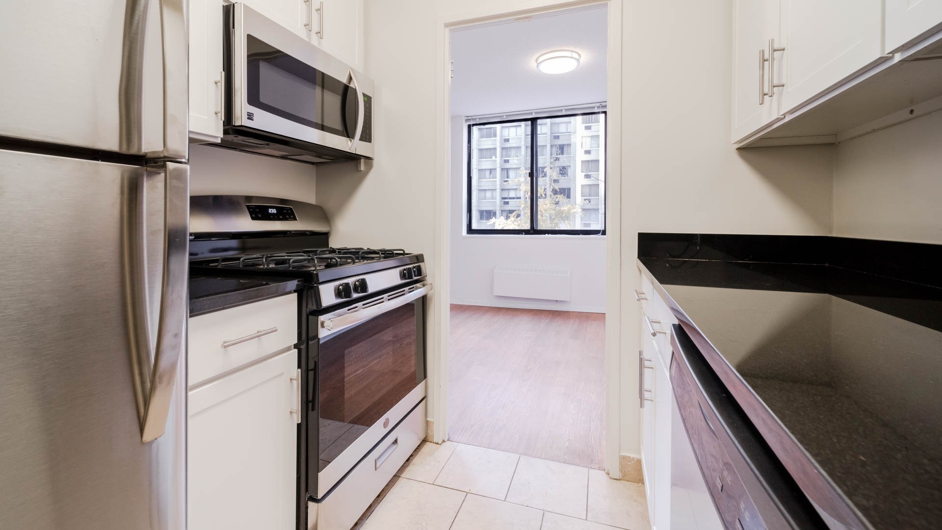 The Westmont Apartments - Kitchen