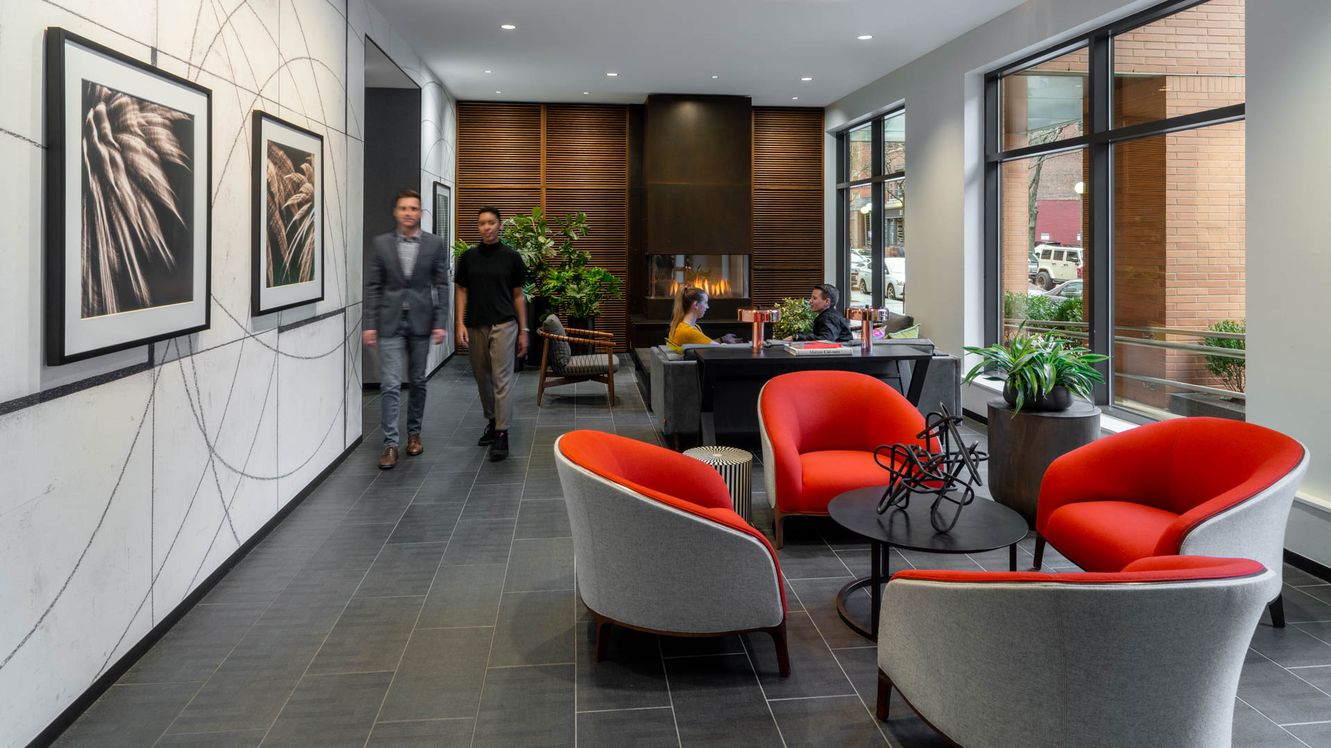 Avenir Apartments - Lobby and Lounge Space
