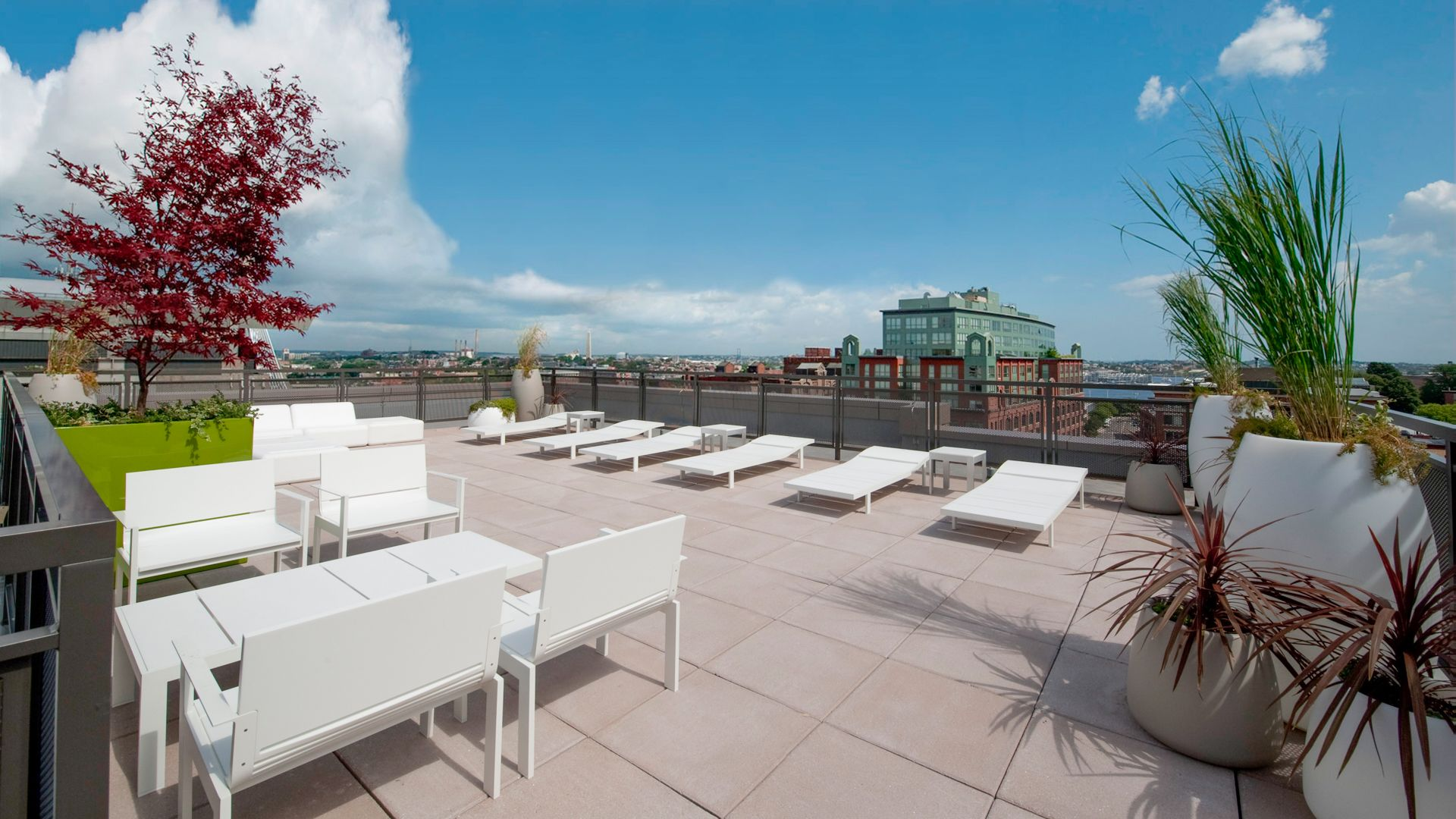 Avenir Apartments - Rooftop Deck