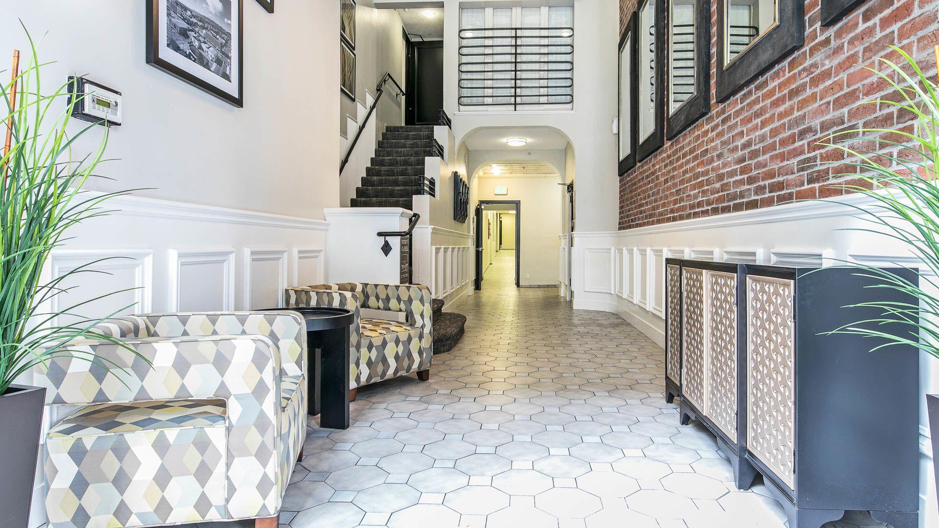 Vintage at 425 Broadway Apartments - Lobby