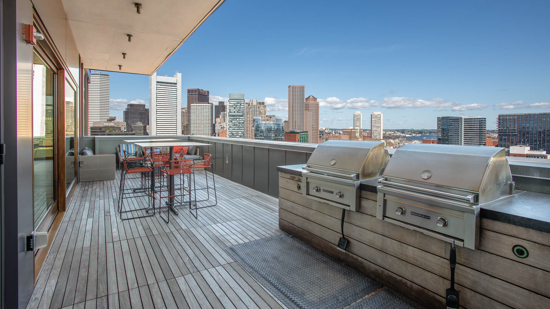 315 on A Apartments - Rooftop Terrace with Grilling Area