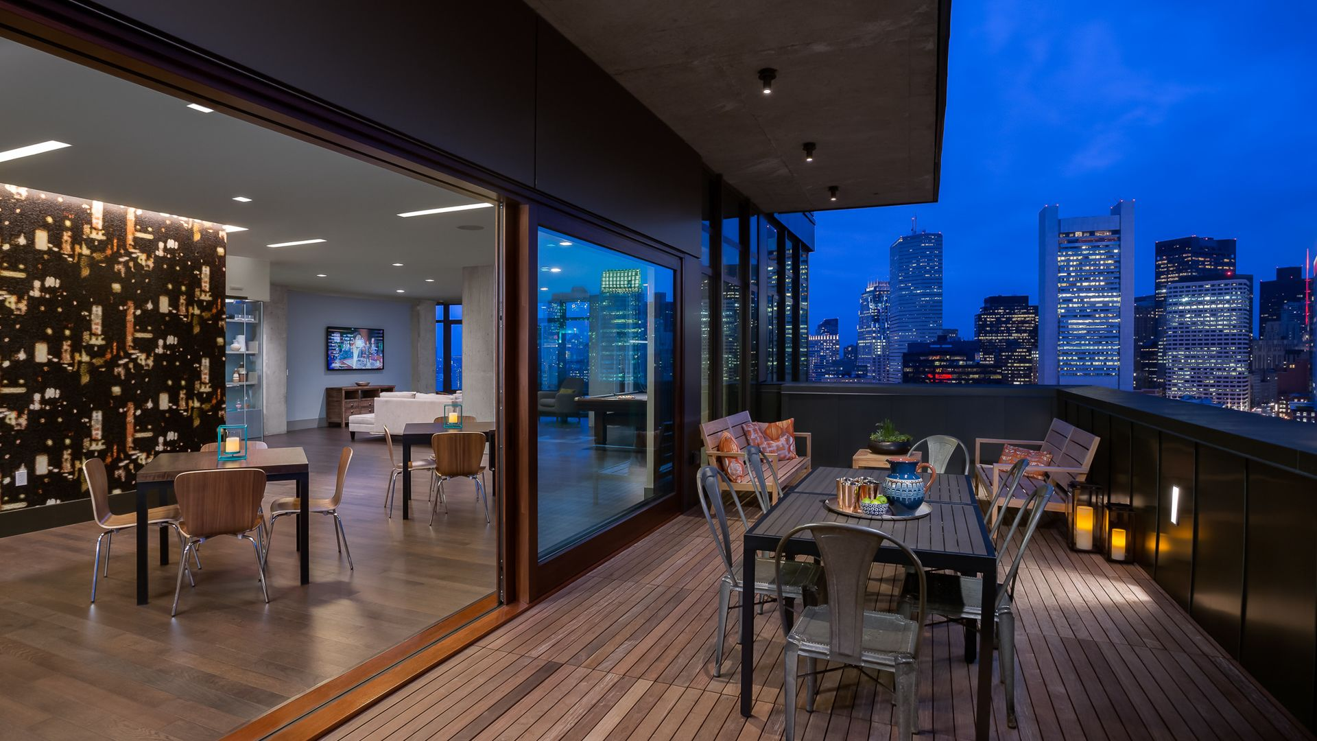 315 on A Apartments - Lounge and Rooftop Terrace