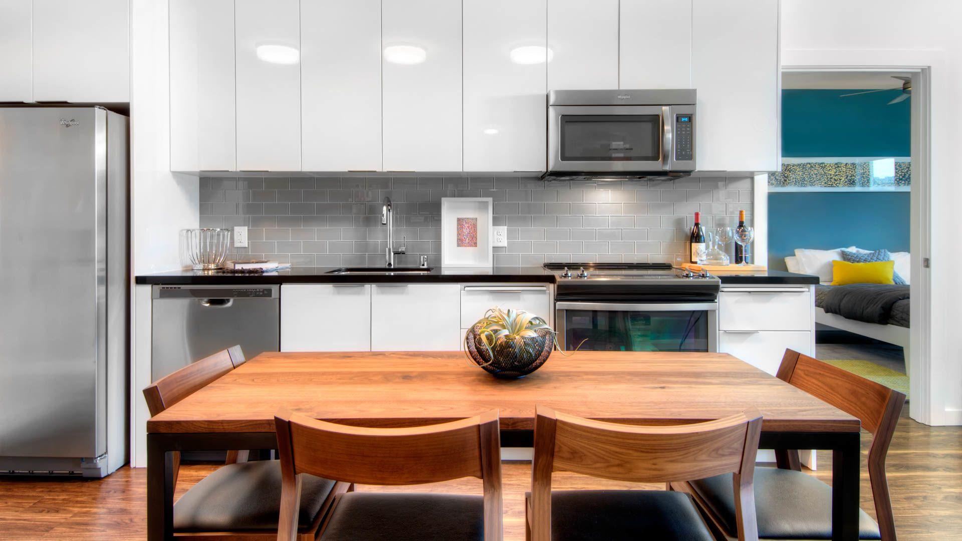 Potrero 1010 Apartments - Dining Room