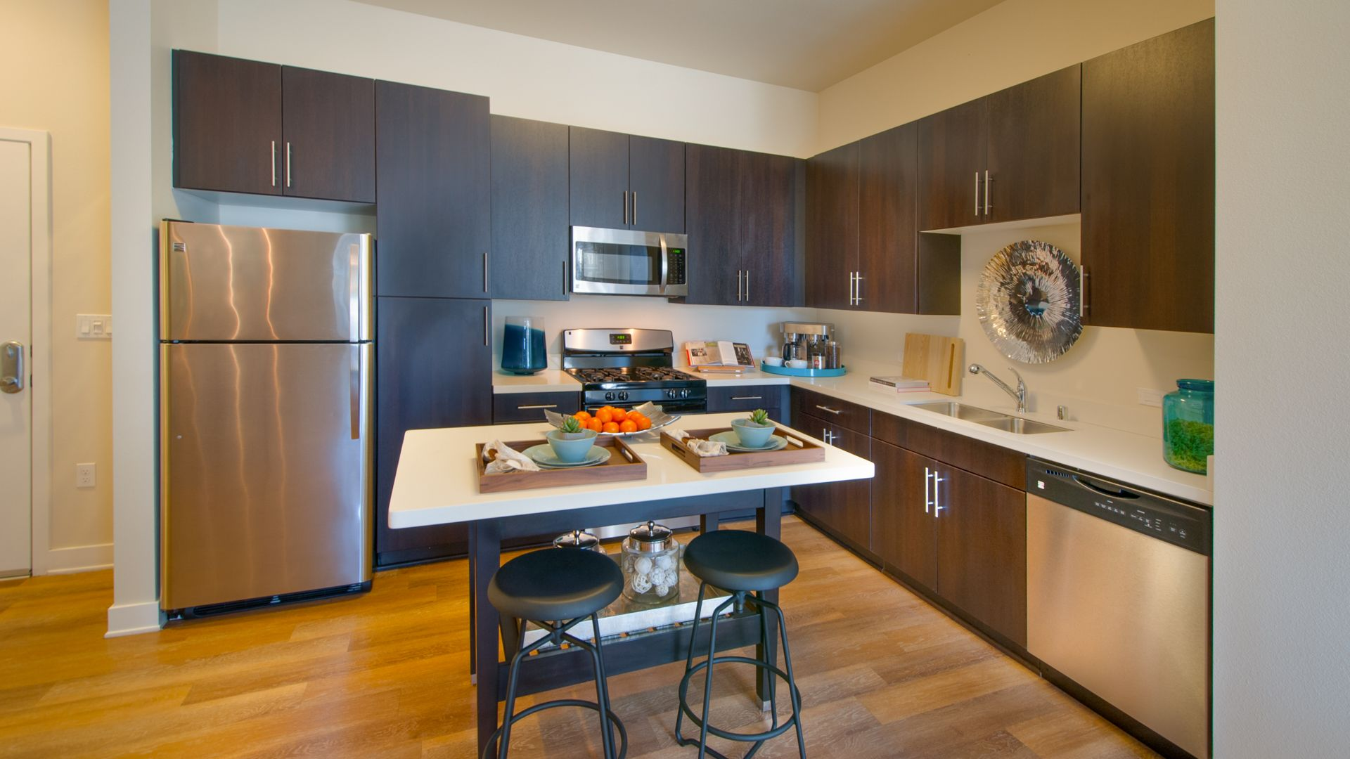 The Kelvin Apartments - Kitchen