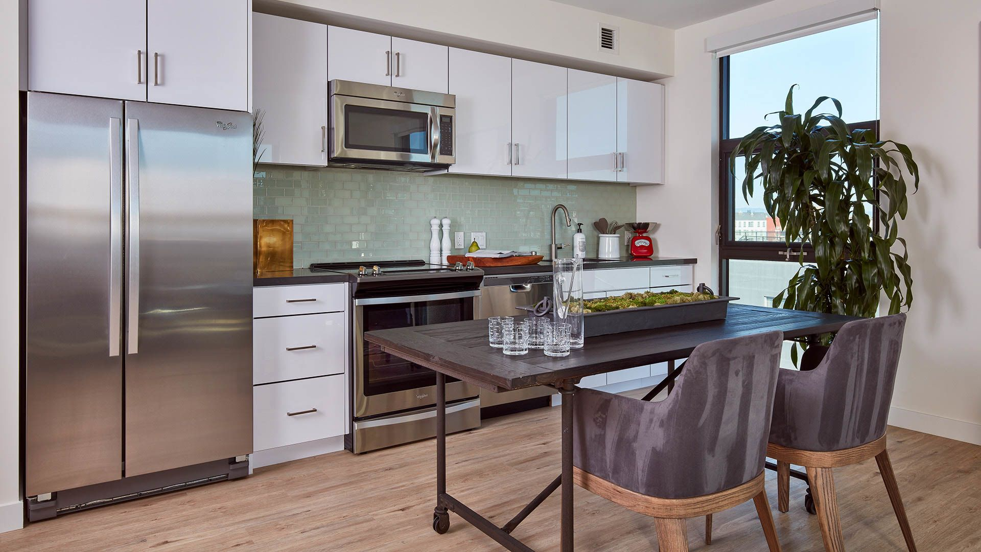 One Henry Adams Apartments - Kitchen and Dining Area