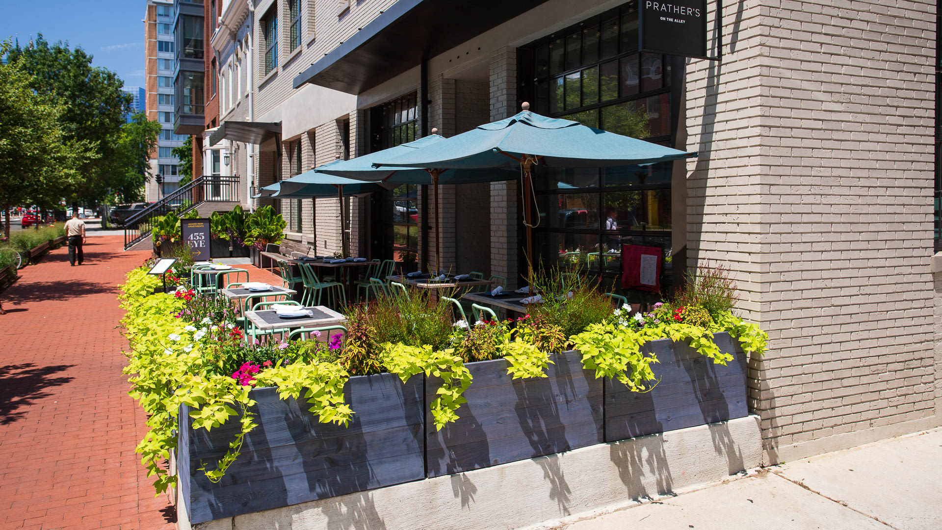 455 Eye Apartments - Prathers on the Alley Restaurant located On-site