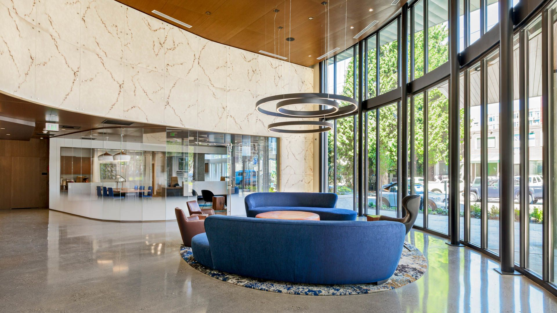 Cascade Apartments - Lobby