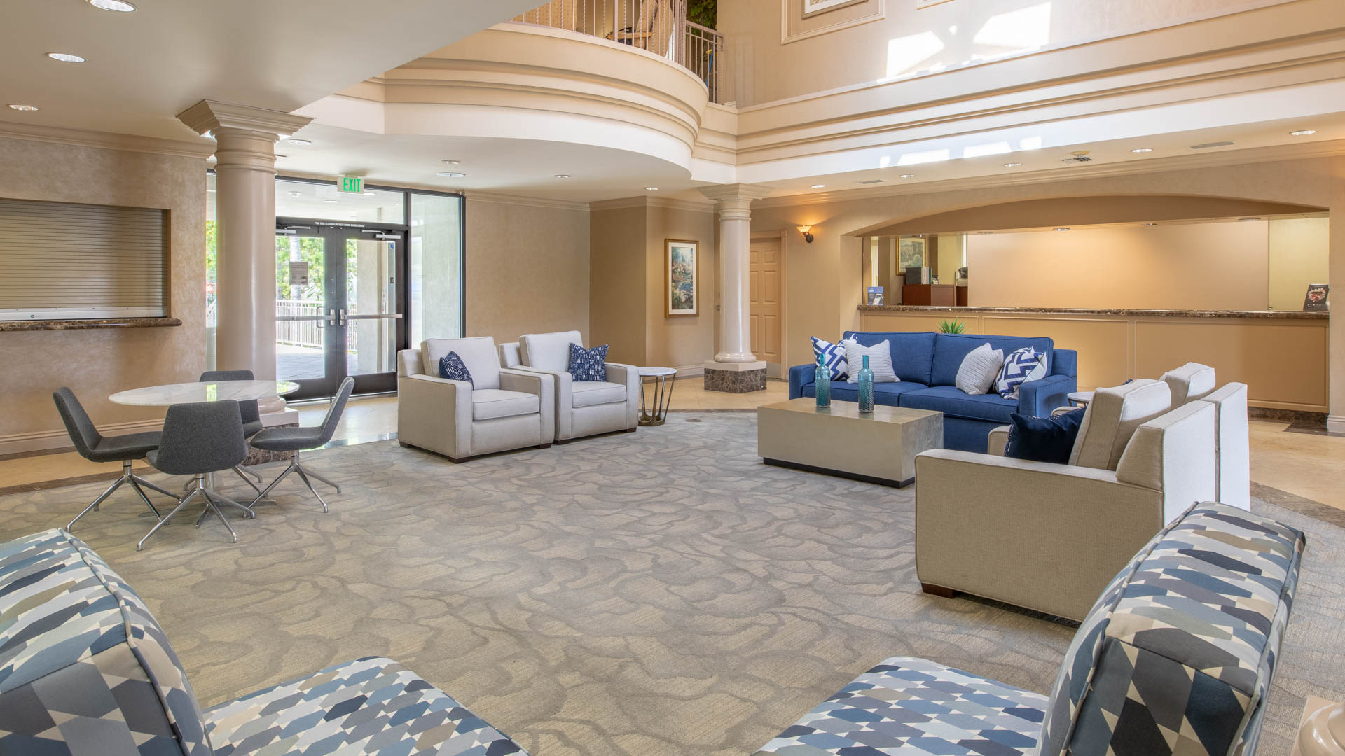 Pearl Apartments - Lobby