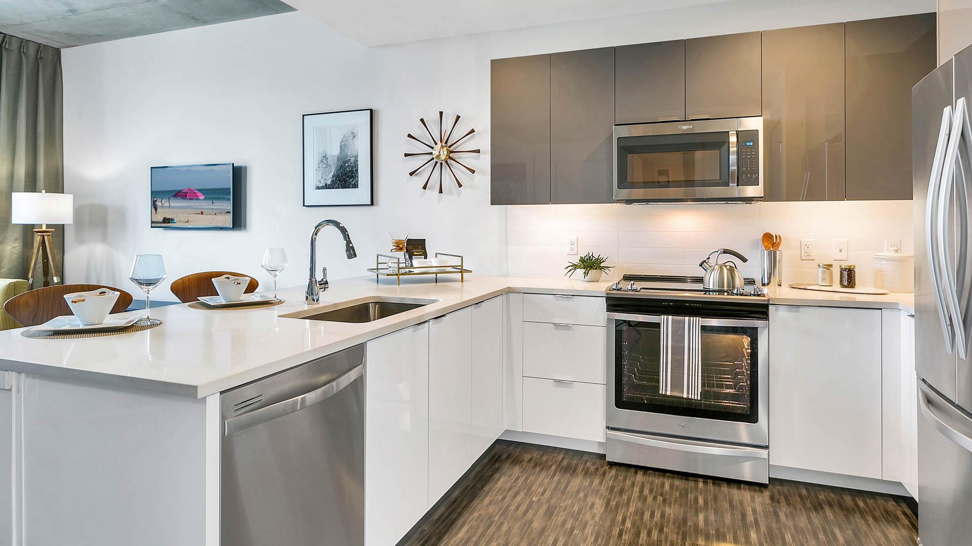 Eviva on Cherokee Apartments - Kitchen