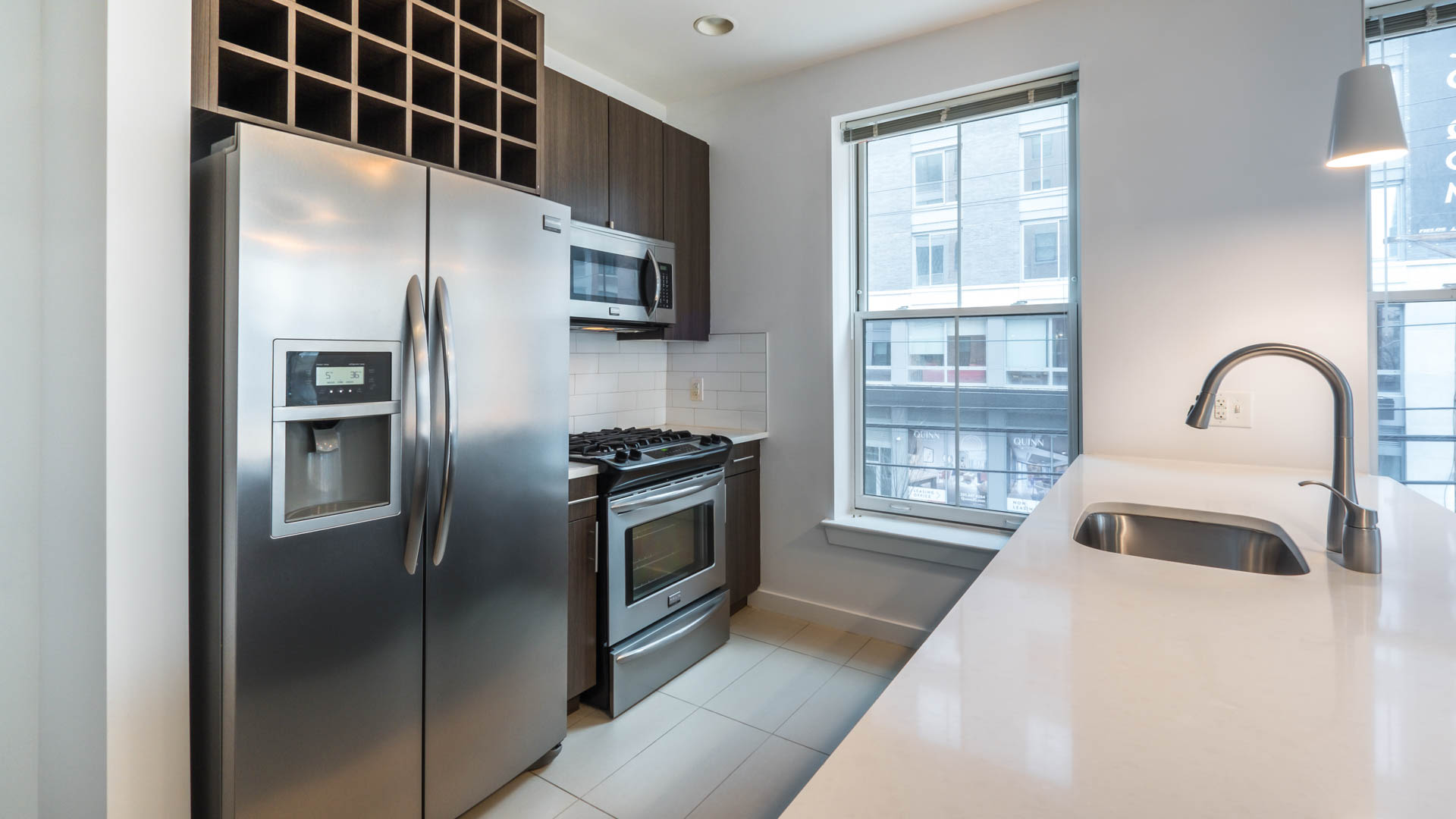 Madox Apartments - Kitchen