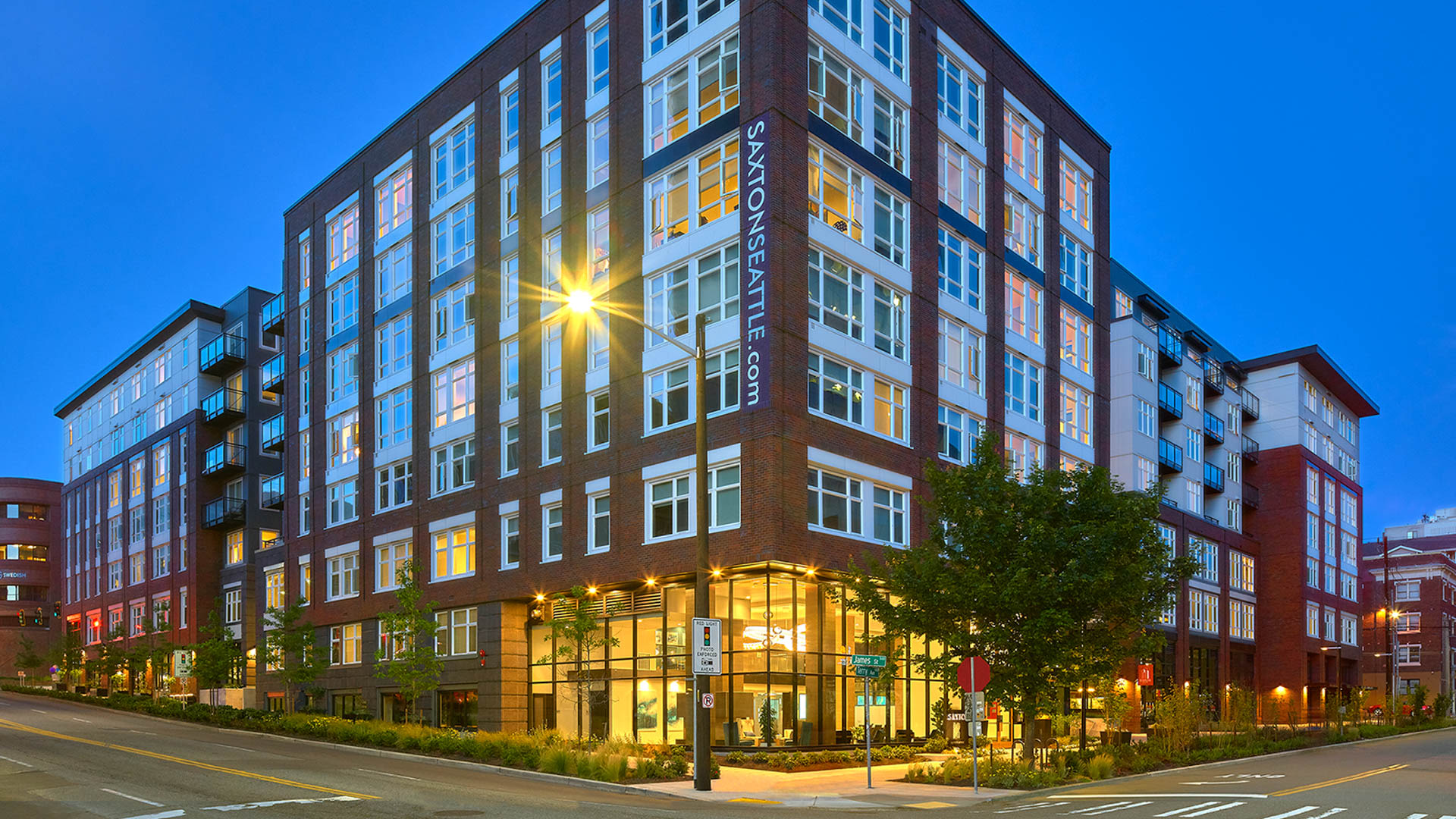 Saxton Apartments - Exterior