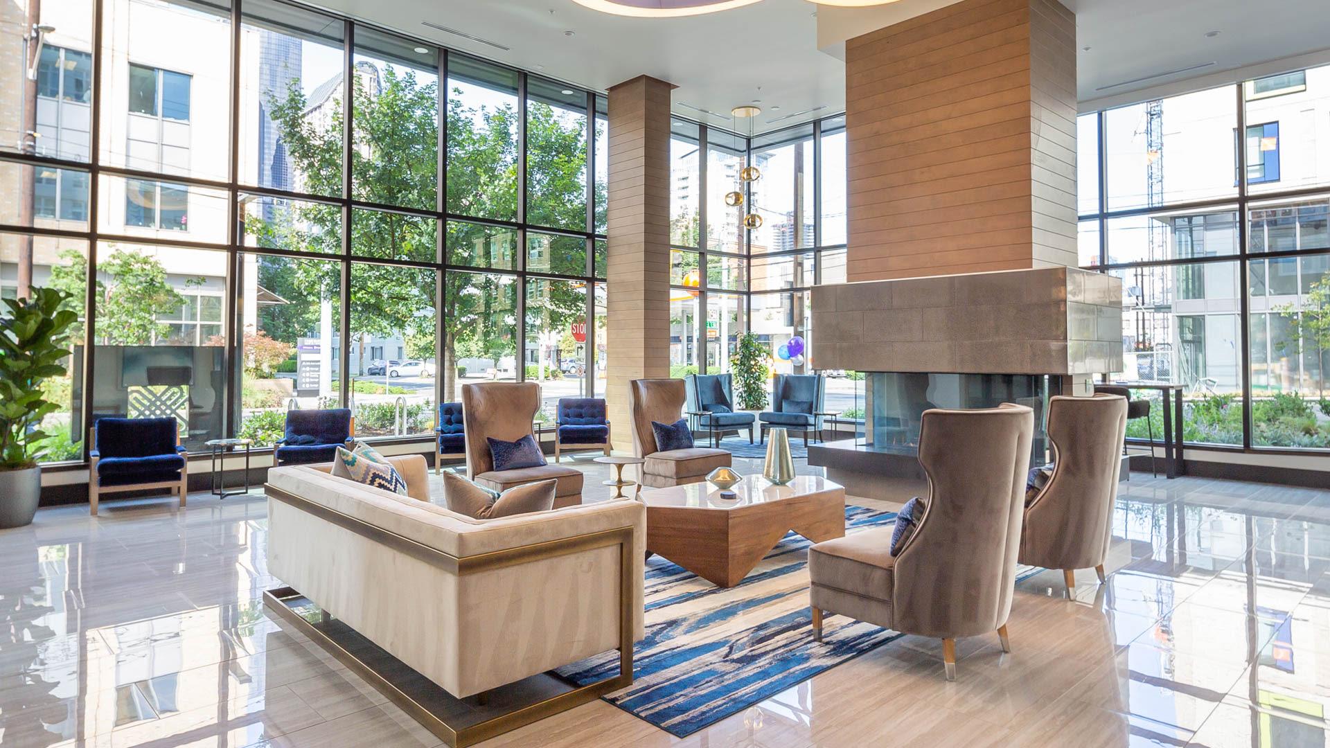 Saxton Apartments - Lobby