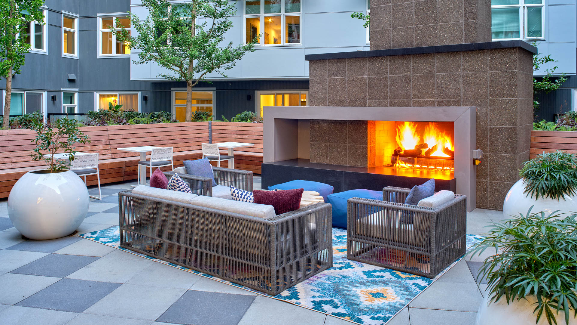 Saxton Apartments - Courtyard with Fireplace