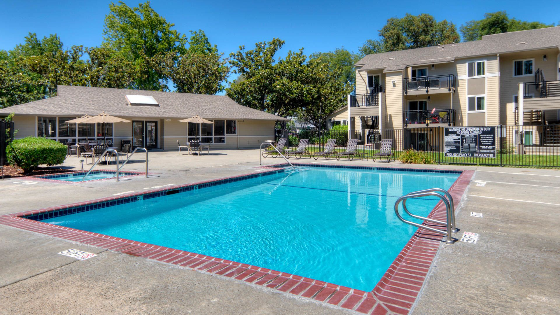 Arbor Terrace Apartments - Swimming Pool