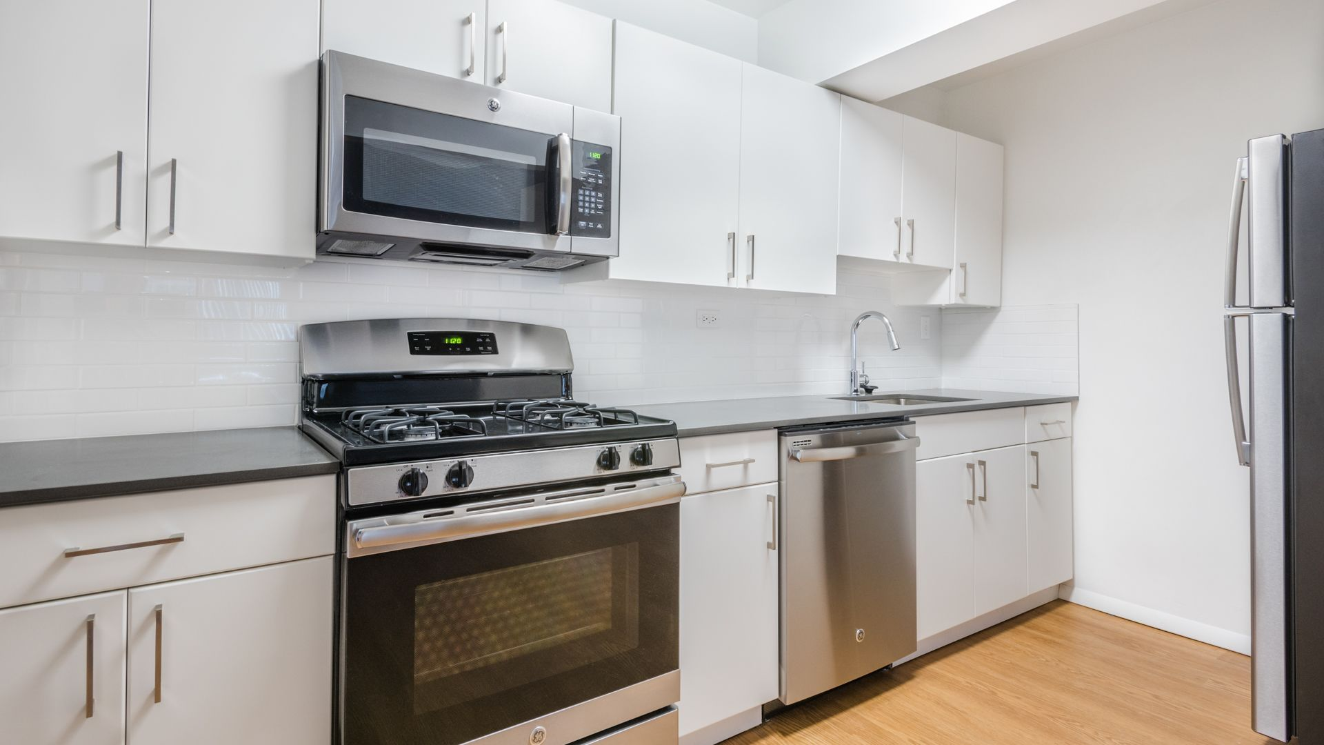 Emerson Place Apartments - Kitchen