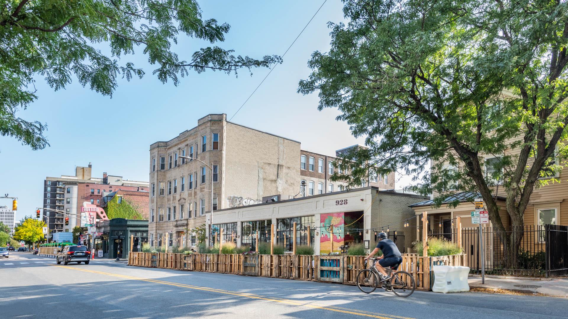 929 Mass Apartments - Neighborhood