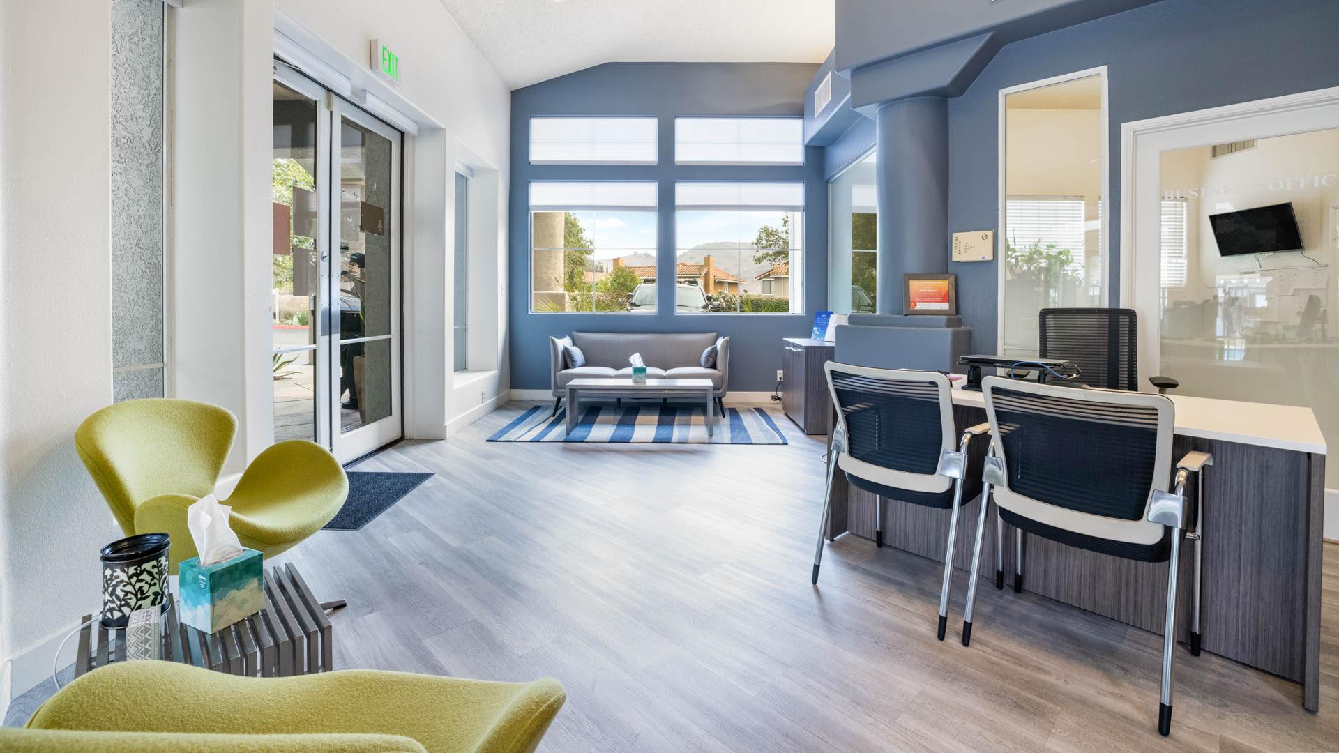 Oak Park Apartment Homes - Lobby
