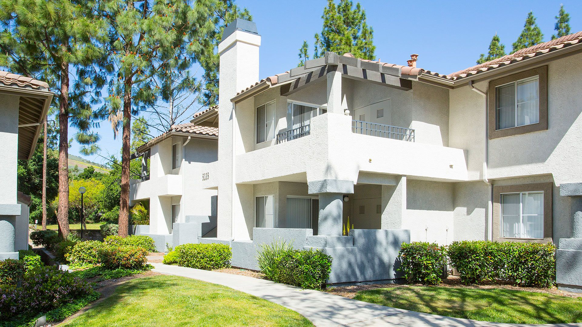 Oak Park Apartment Homes - Exterior