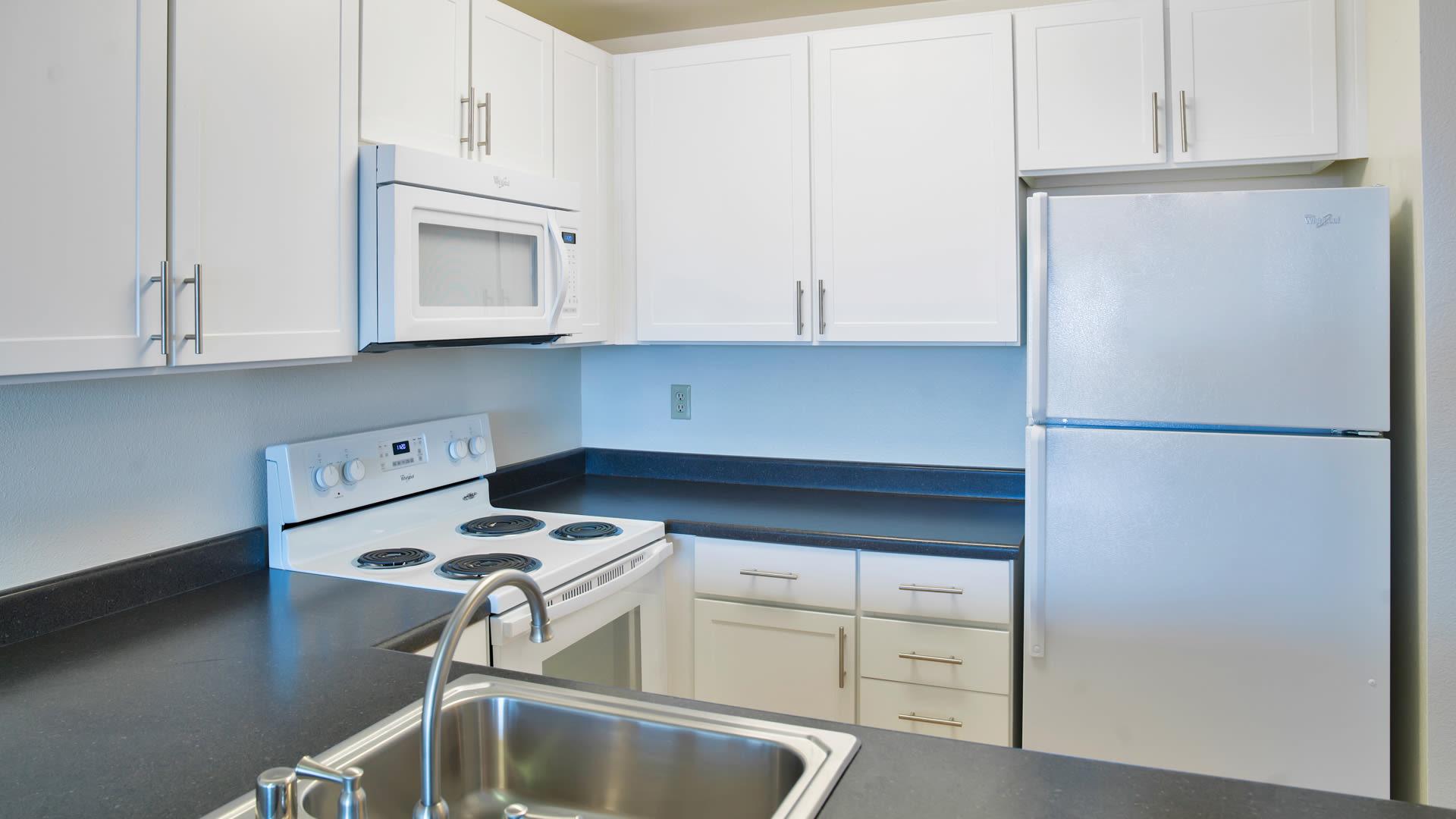 Park West Apartments - Kitchen