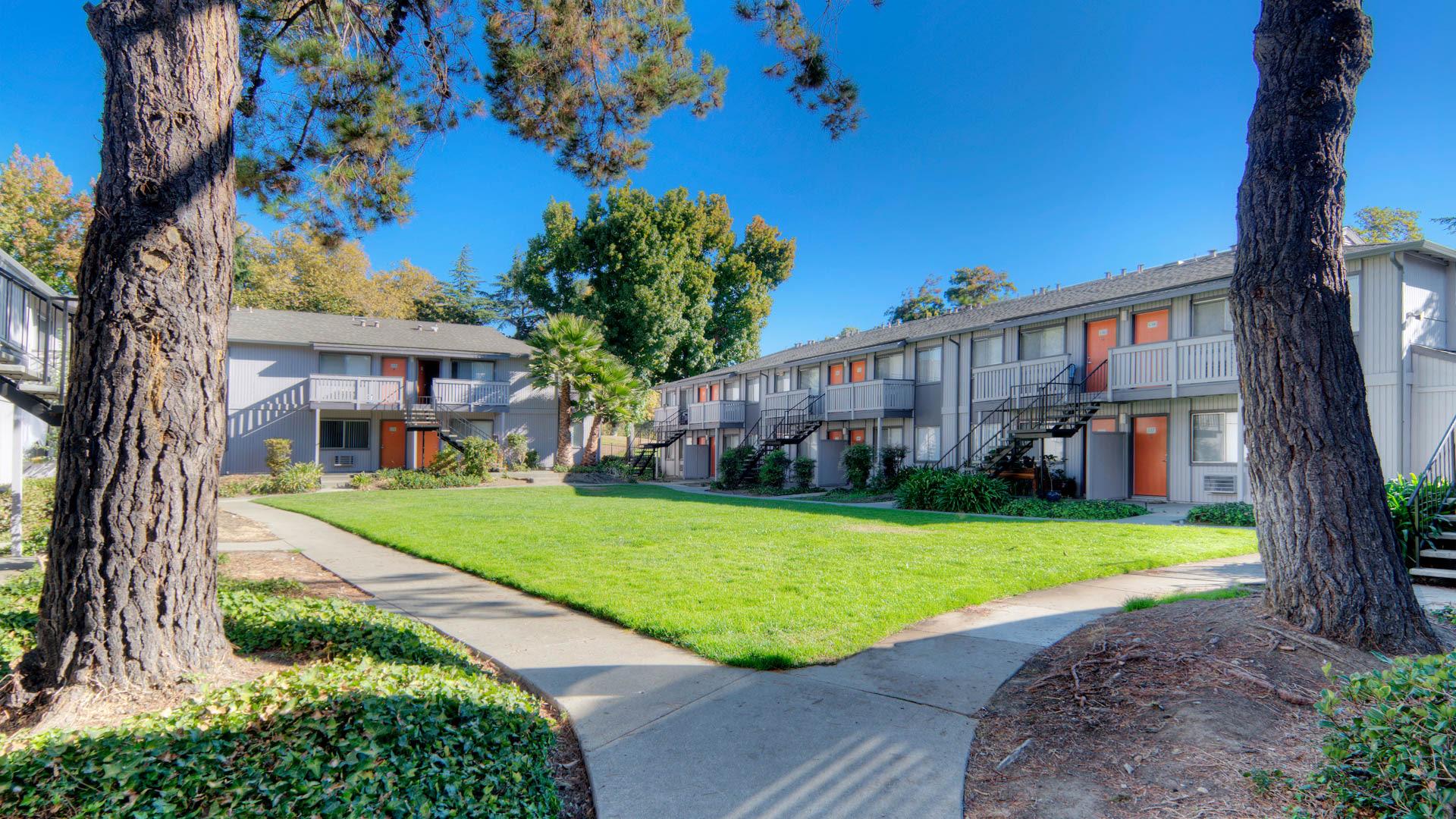 Parkside Apartments - Exterior