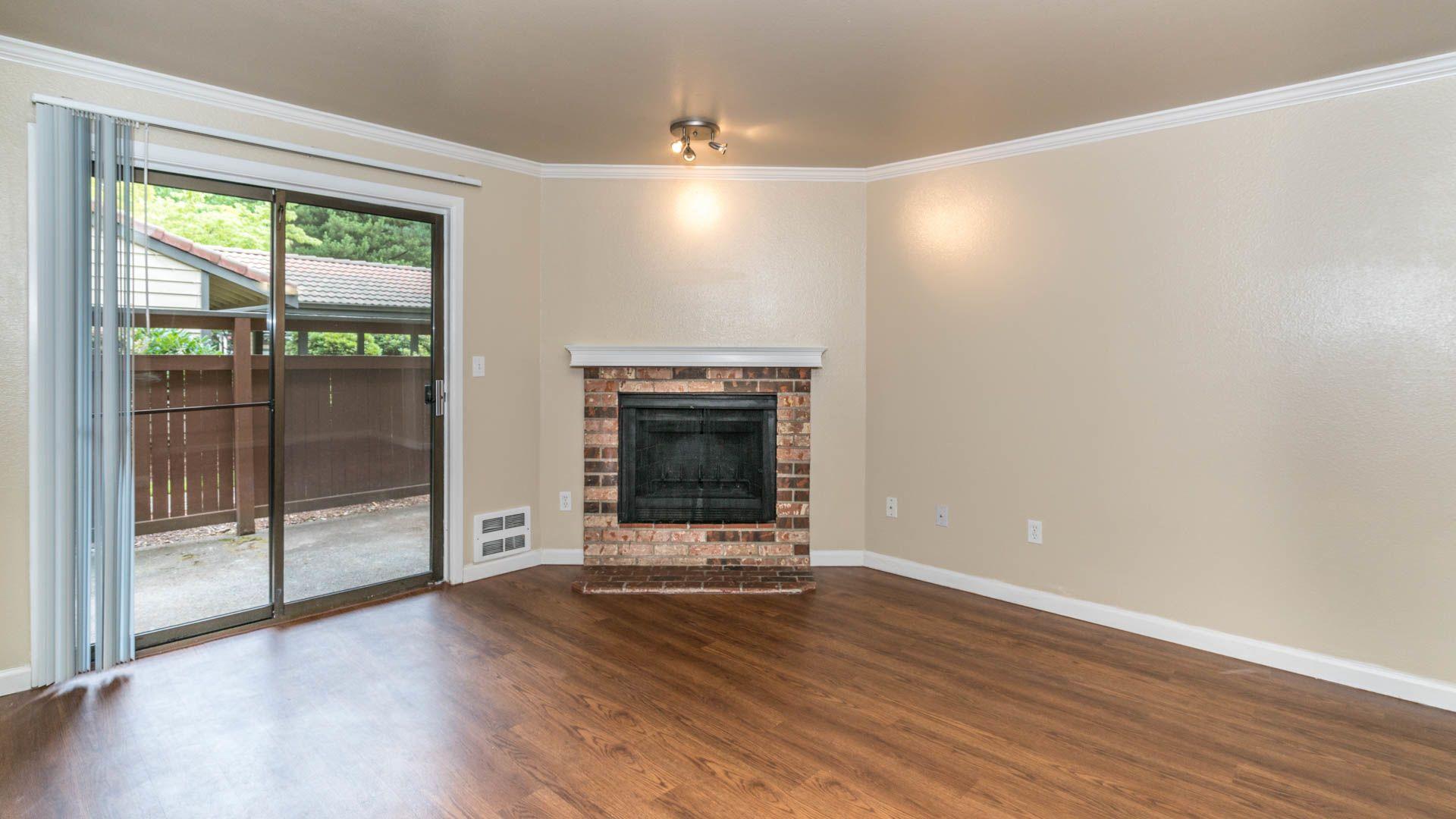 Bellevue Meadows Apartments - Living Room
