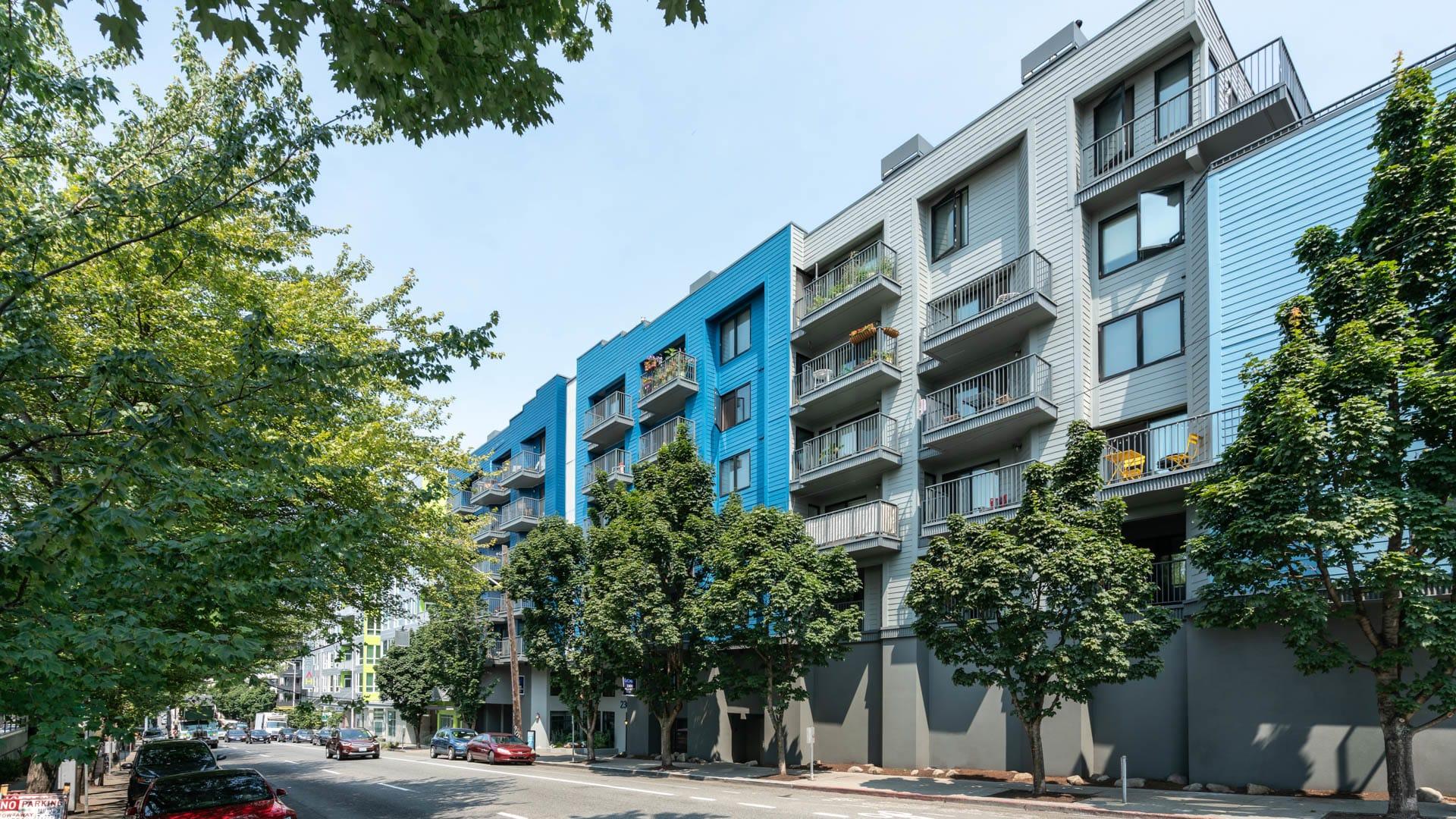 2300 Elliott Apartments - Building Exterior