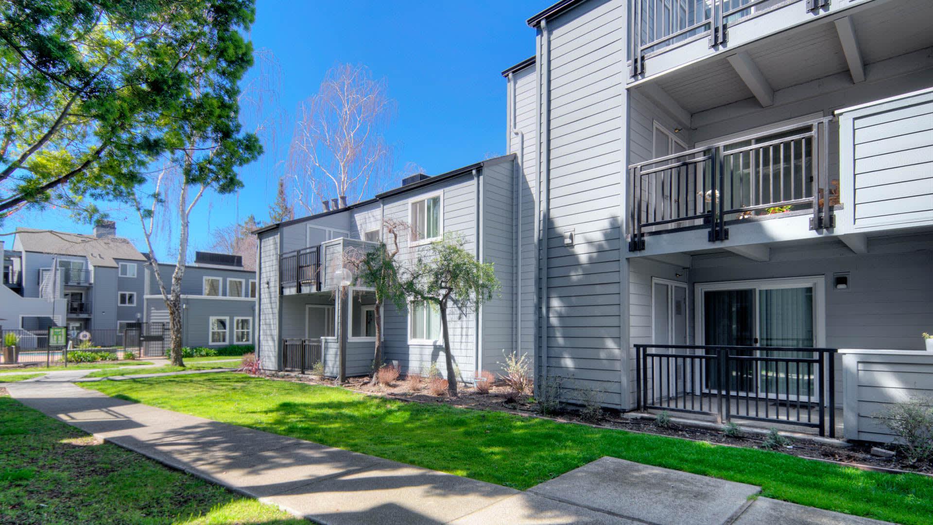 Southwood Apartments - Building Exterior