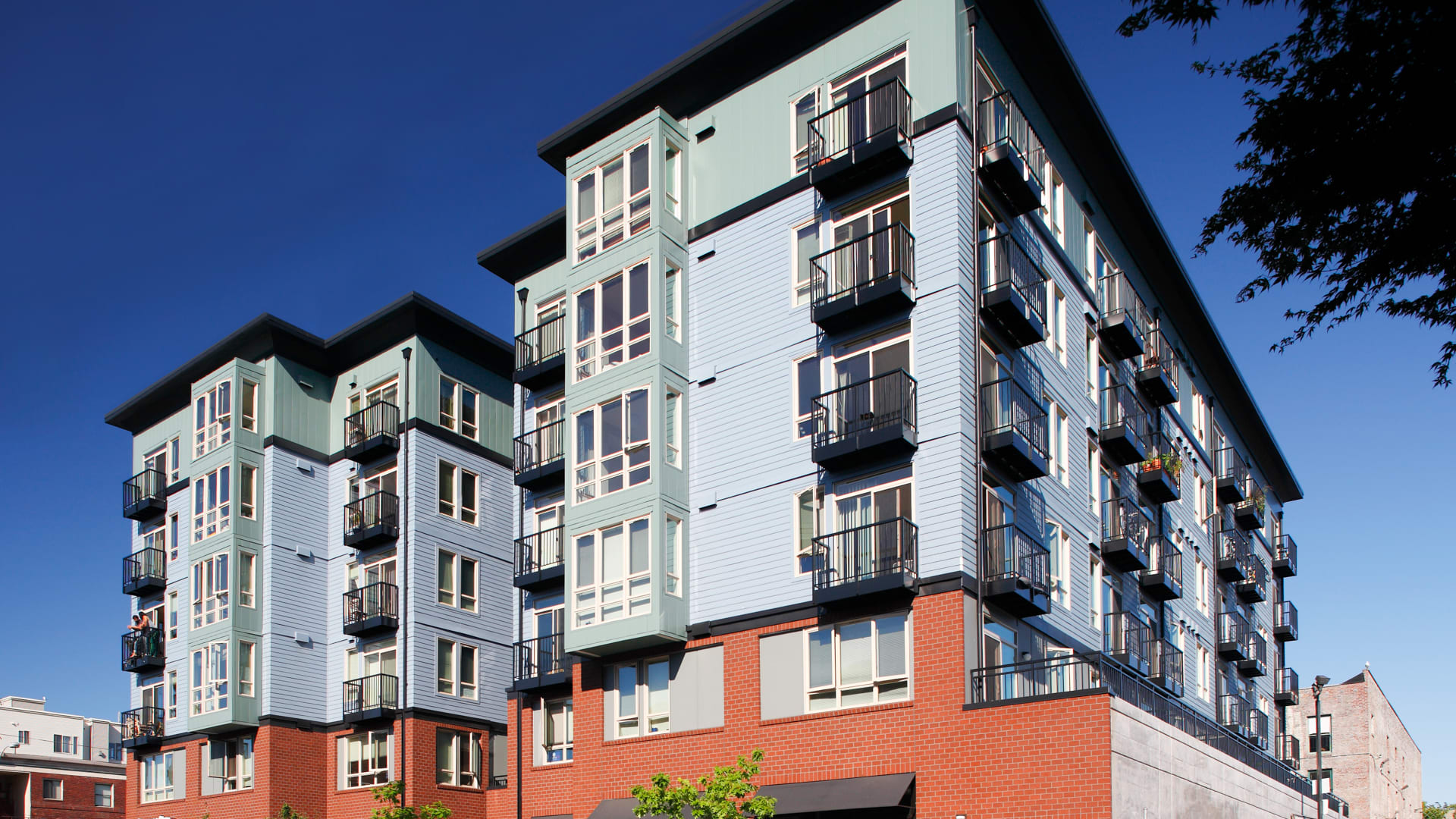 The Heights on Capitol Hill Apartments - Building