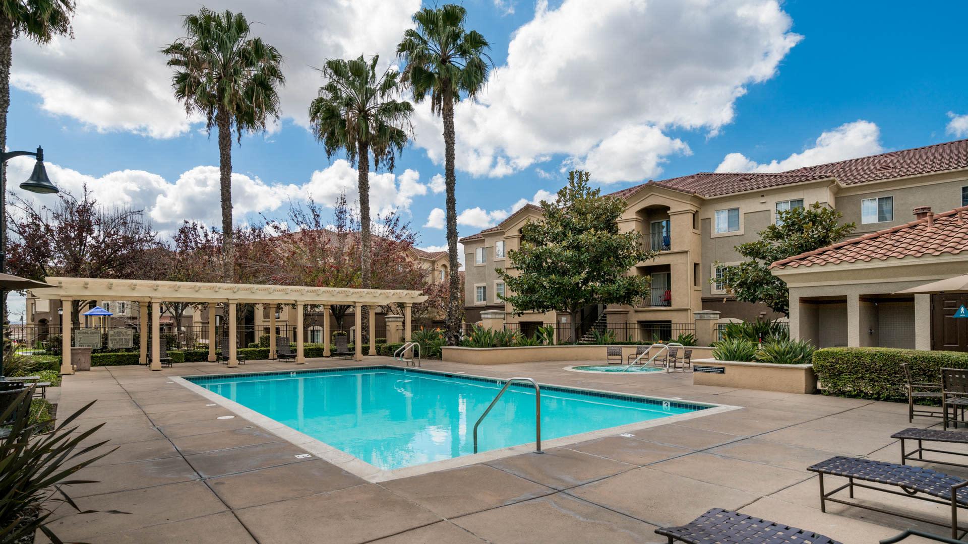 Teresina Apartments - Swimming Pool