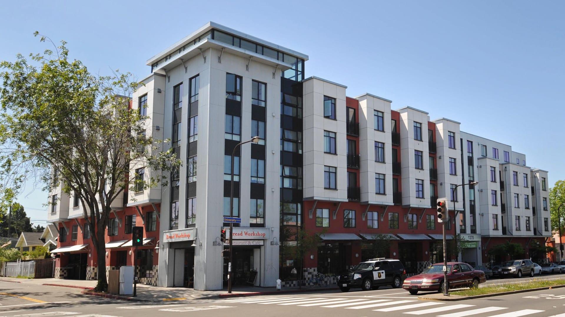 Acton Courtyard Apartments - Building