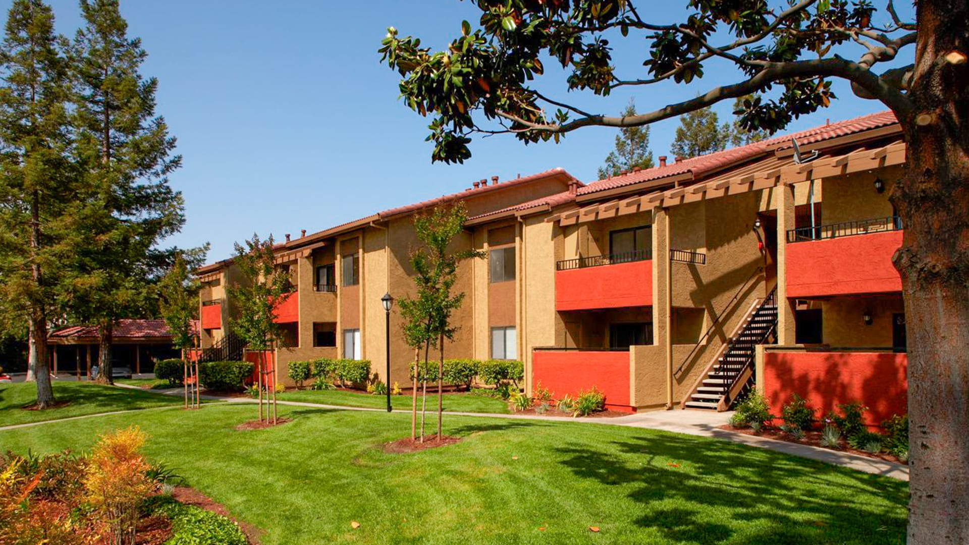 Verde Apartments - Building