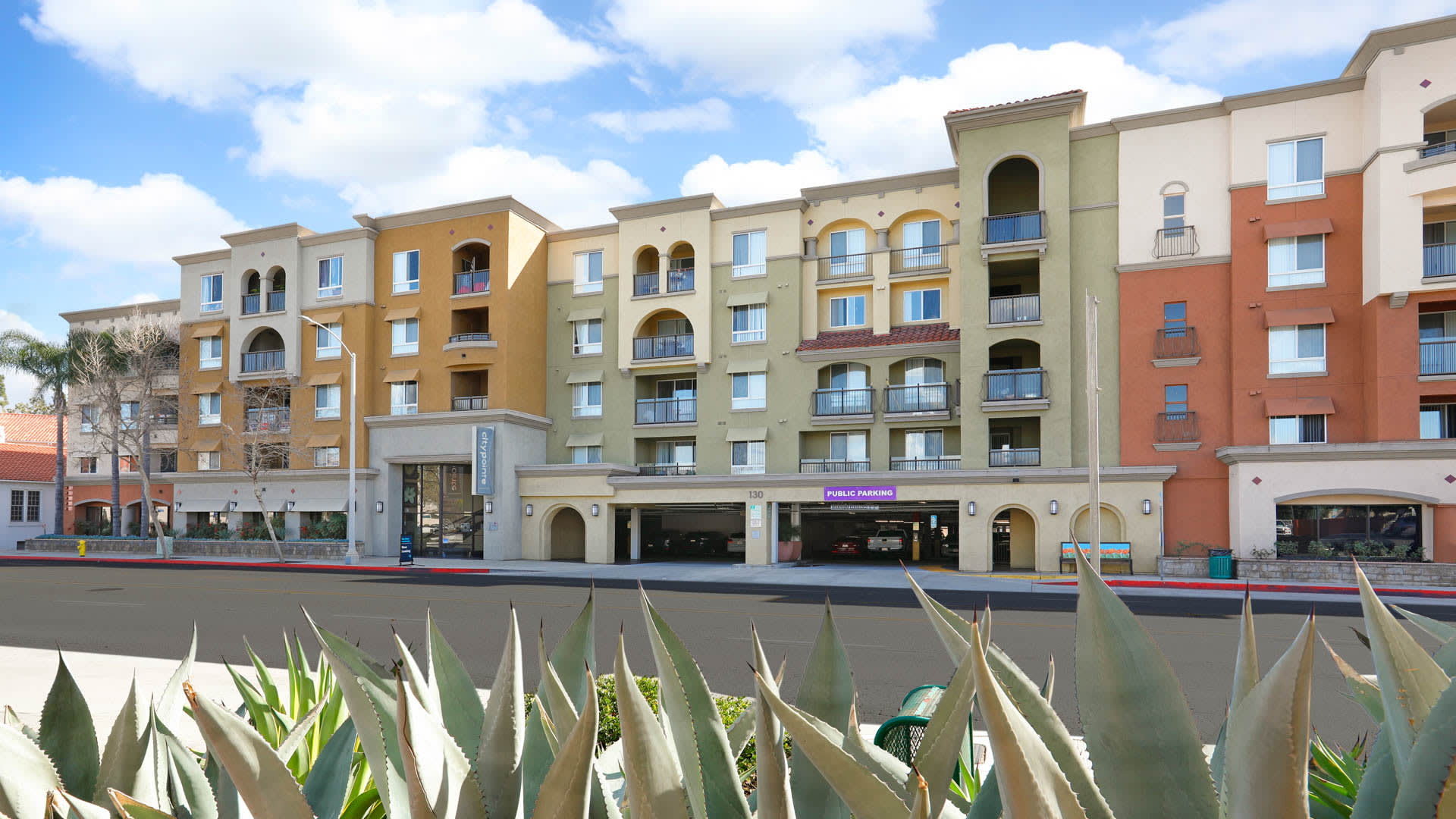 City Pointe Apartments - Exterior