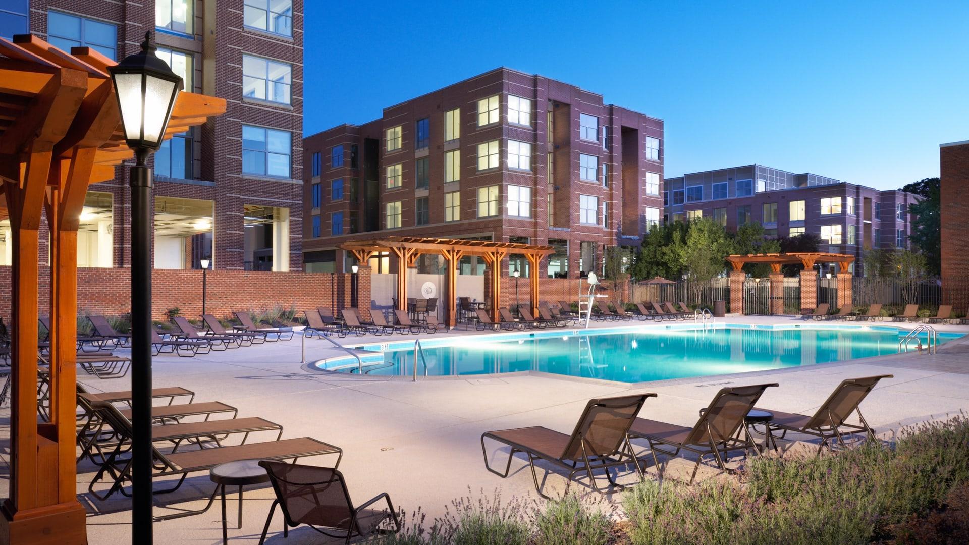 2201 Pershing Apartments - Swimming Pool