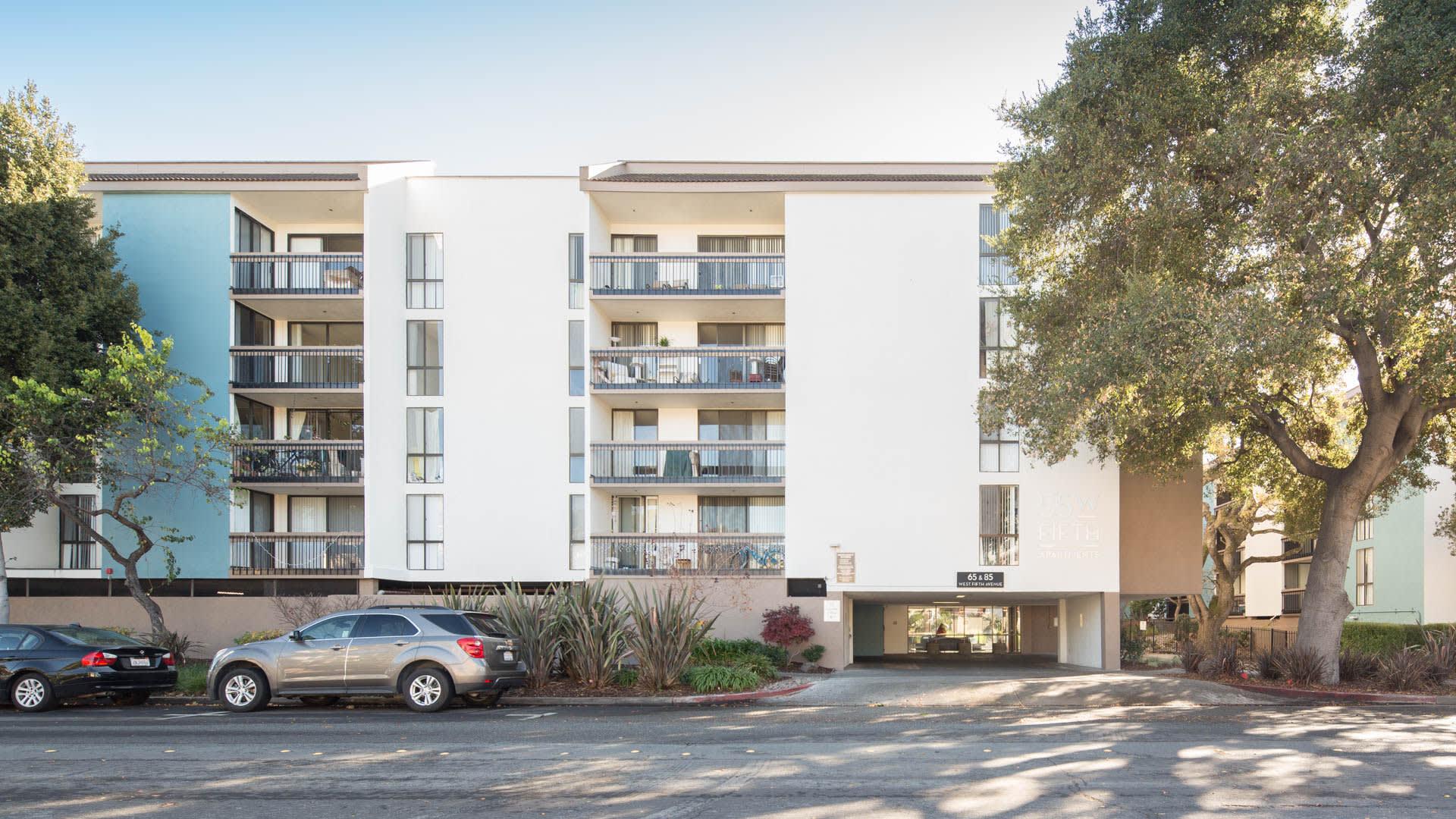 55 West Fifth Apartments - Garden Building Exterior