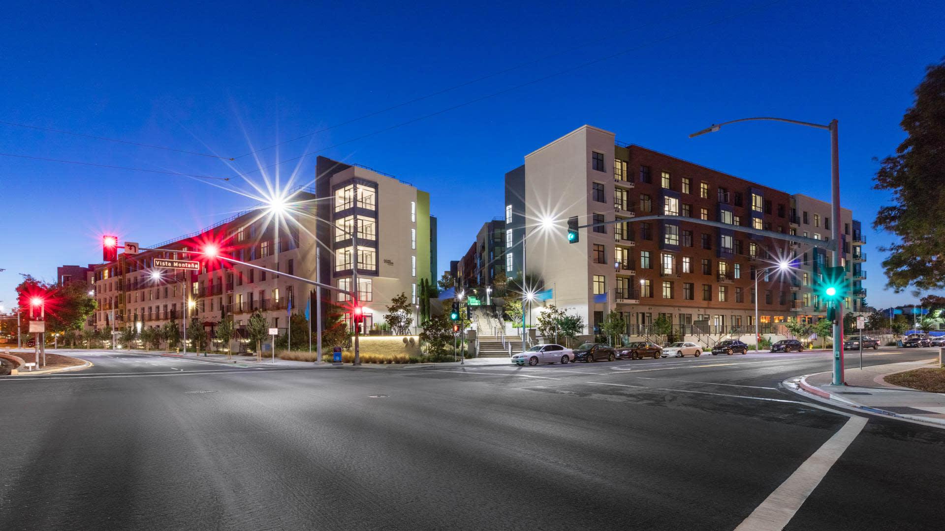 Vista 99 Apartments - Exterior