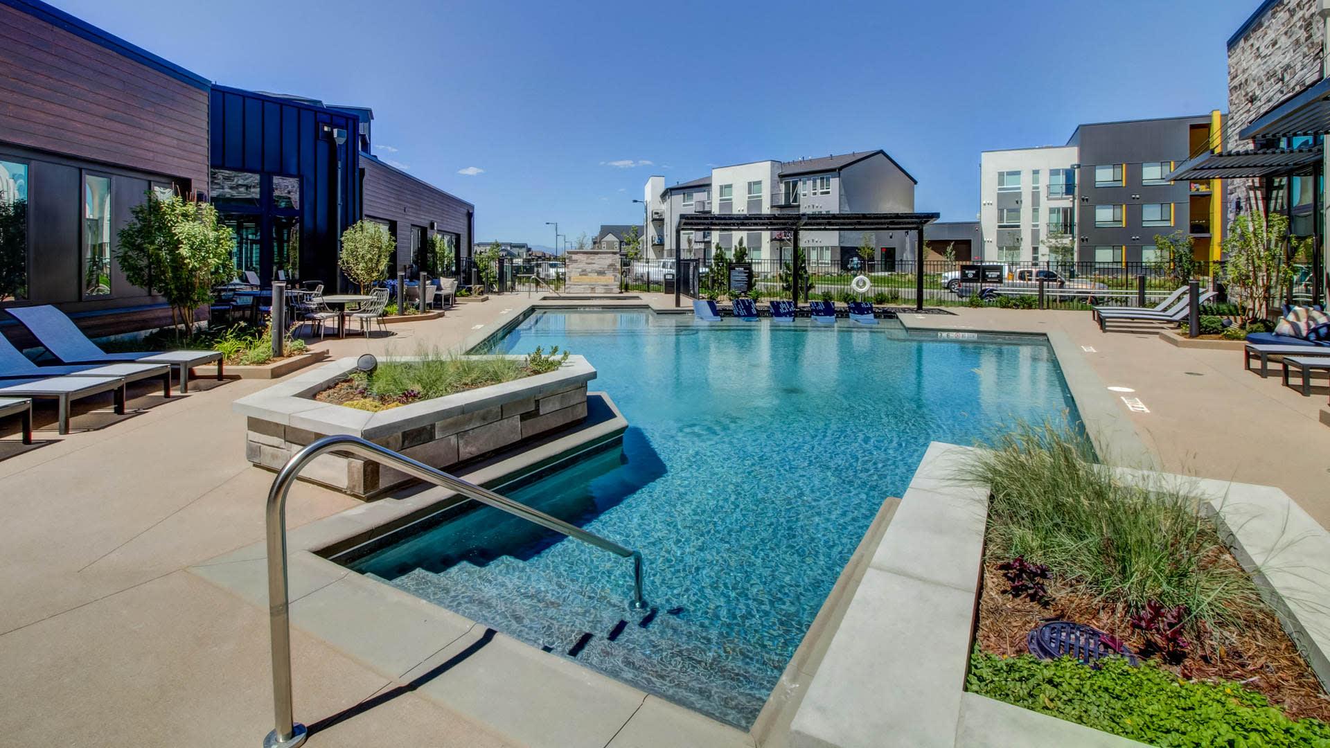 Circa Fitzsimons Apartments - Swimming Pool