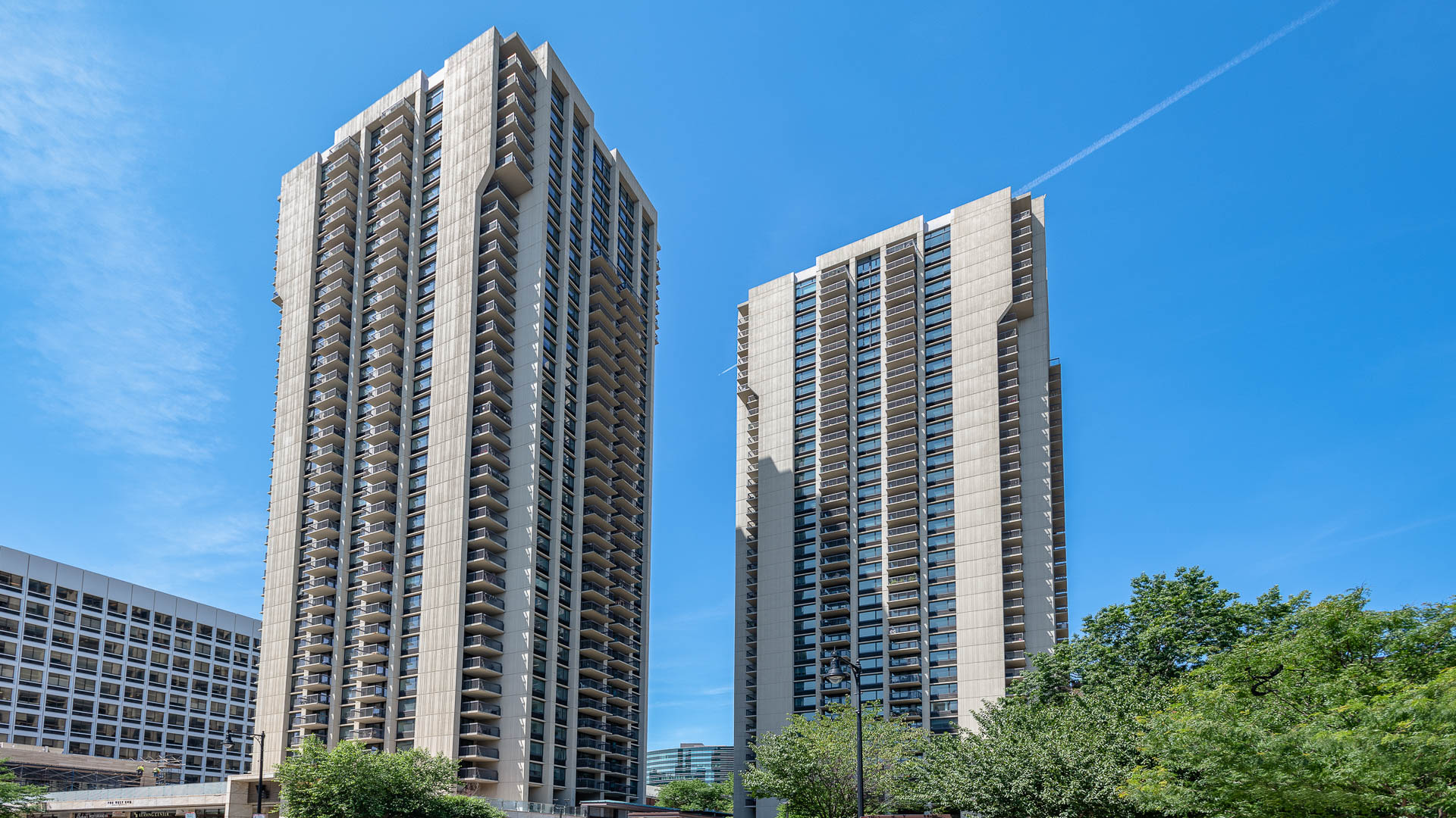 The Towers at Longfellow Apartments - Exterior