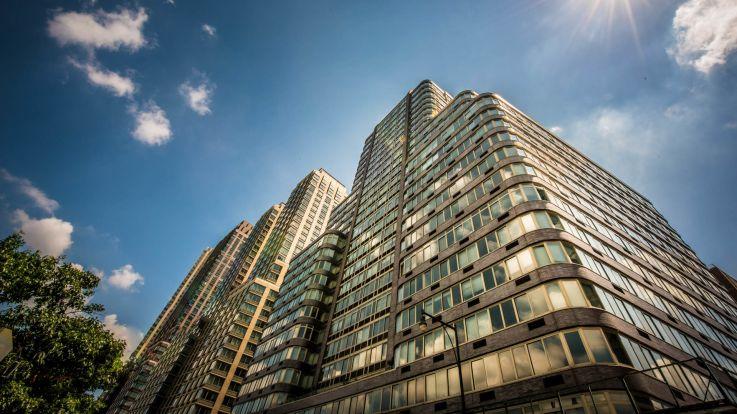 140 Riverside Boulevard Apartments - Exterior