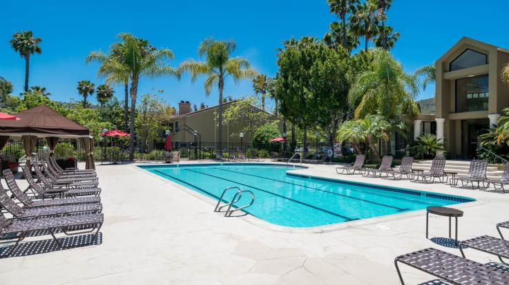 Montierra Apartments - Swimming Pool