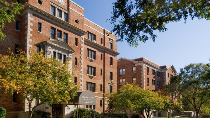 Connecticut Heights Apartments - Building